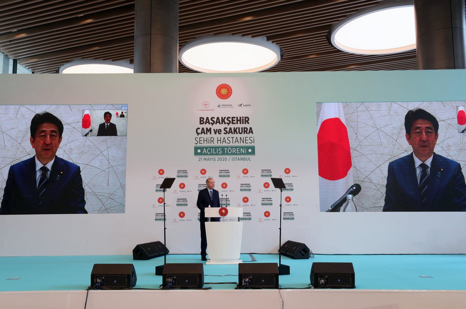 Turkish President Recep Tayyip Erdoğan speaks to Japanese Prime Minister Shinzo Abe in a video call during the opening ceremony of the Başakşehir Pine and Sakura City Hospital, Istanbul, Turkey, May 21, 2020. (AA Photo)