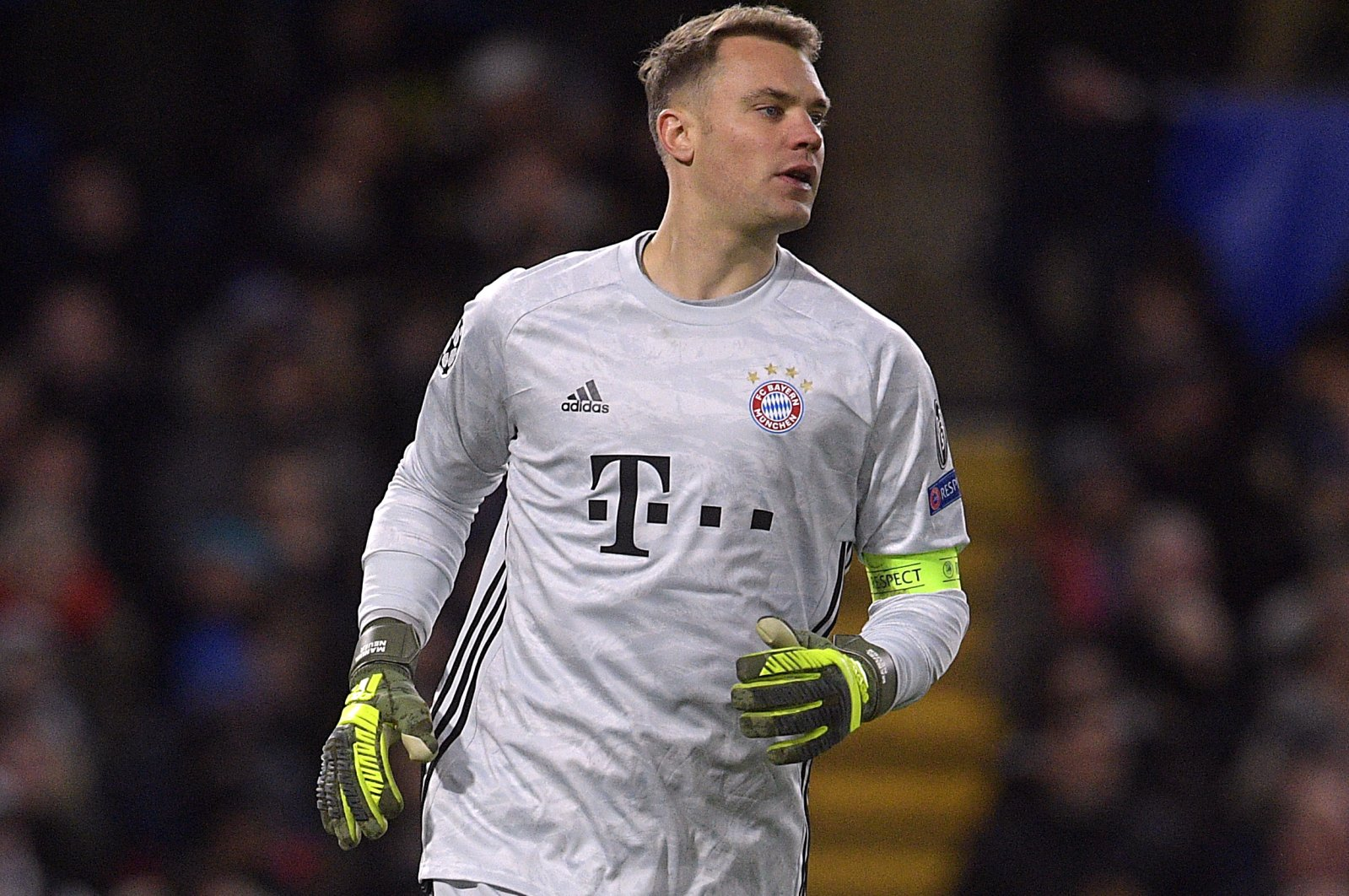 Manuel Neuer reacts during a UEFA Champions League Round match in London, Britain, Feb. 25, 2020. (EPA Photo)