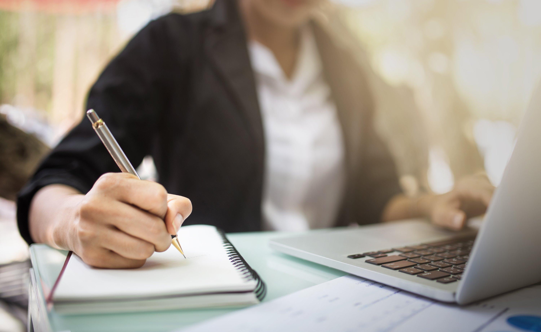 Farklı dijital eğitim talebinin pandemi sırasında eşi görülmemiş bir şekilde arttığı söyleniyor. (iStock Fotoğraf)
