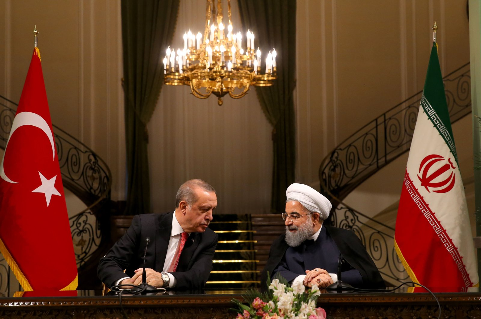 President Recep Tayyip Erdoğan (L) and Iranian President Hassan Rouhani (R) during a joint press conference, Oct. 4, 2017. (AA Photo)