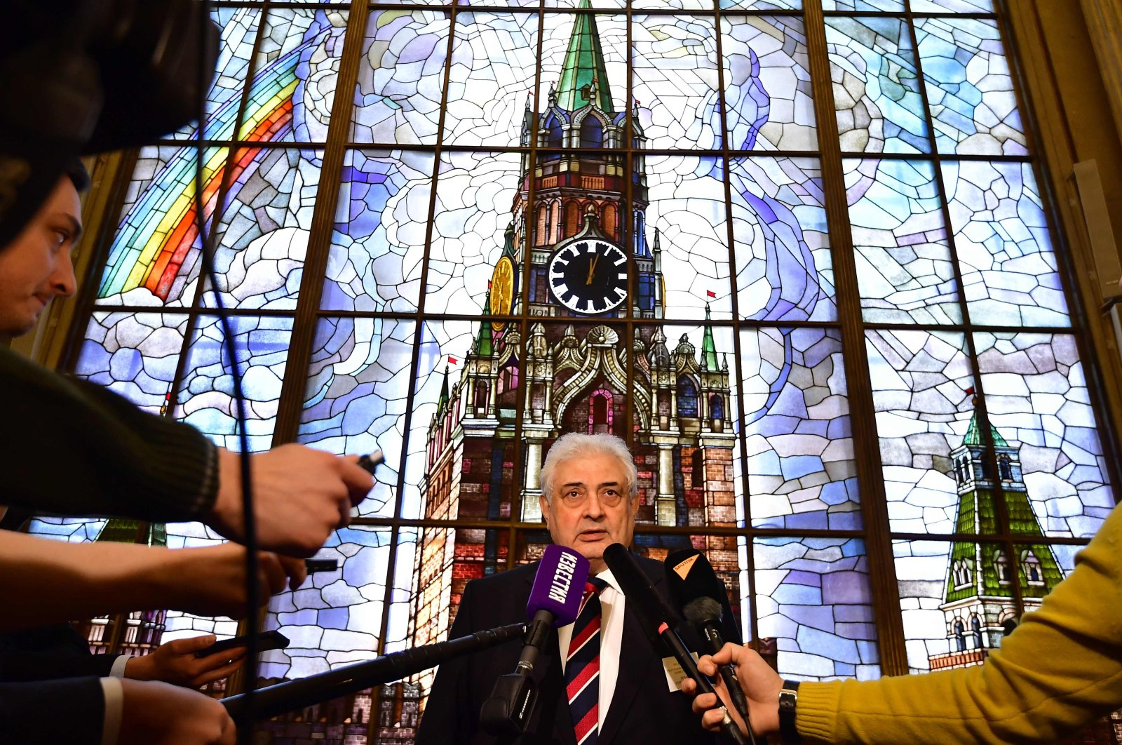 Russian ambassador to Germany Sergey Nechaev (Sergej Netschajew) addressing the media after casting his vote for Russia's presidential elections at the Russian embassy in Berlin, March 18, 2018. (AFP Photo)