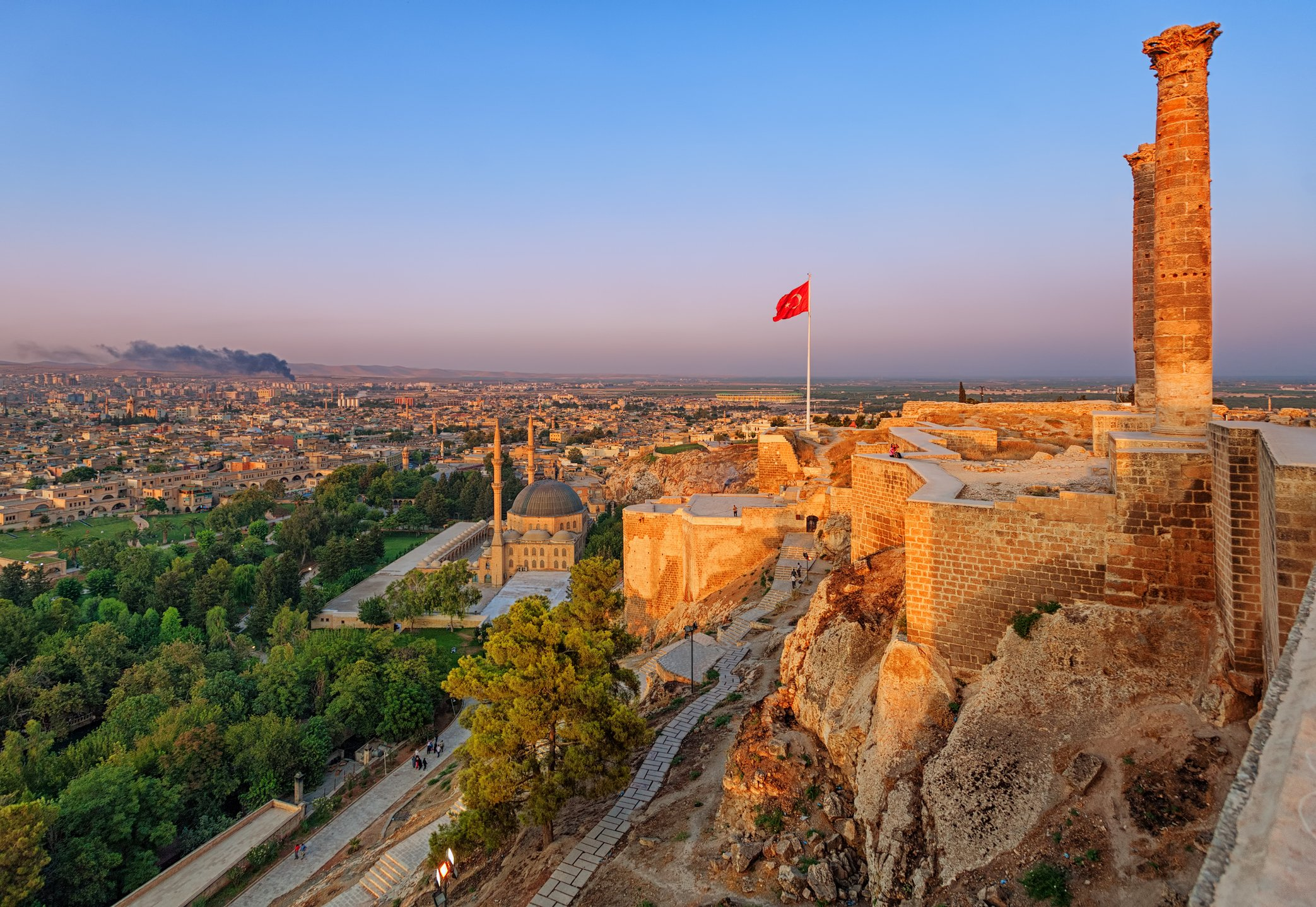The Castle of Urfa serves as the city's balcony, giving visitors a whole view of the city under their feet. (iStock Photo)