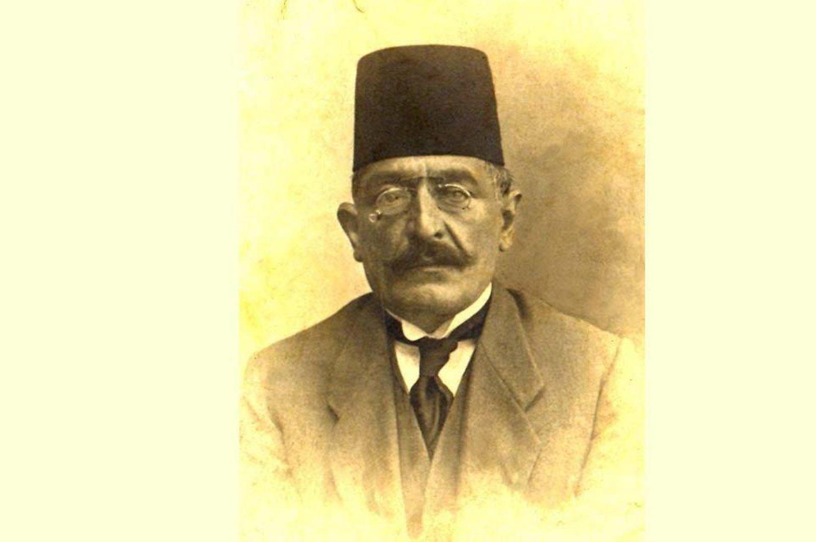 Ahmet Ağaoğlu defended liberalism, especially in economy.