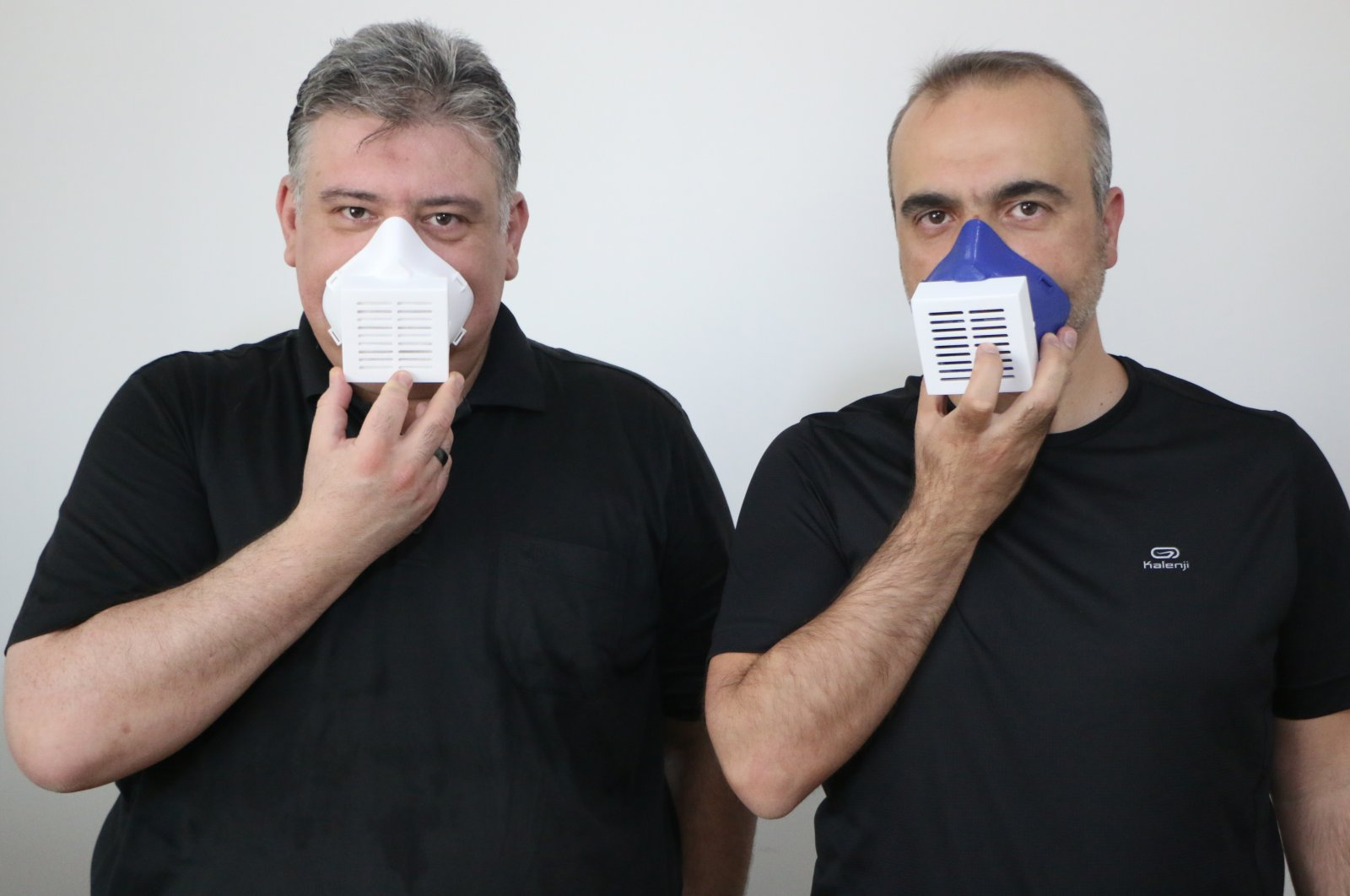 With the electronic masks produced by the faculty members of Aksaray University (ASÜ), viruses and microbes, especially the new type of coronavirus, are prevented from entering the body and going out by inhalation. (AA Photo)