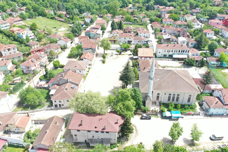 Yalova ilindeki Güneyköy köyünün havadan görünüşü. (AA FOTOĞRAF)
