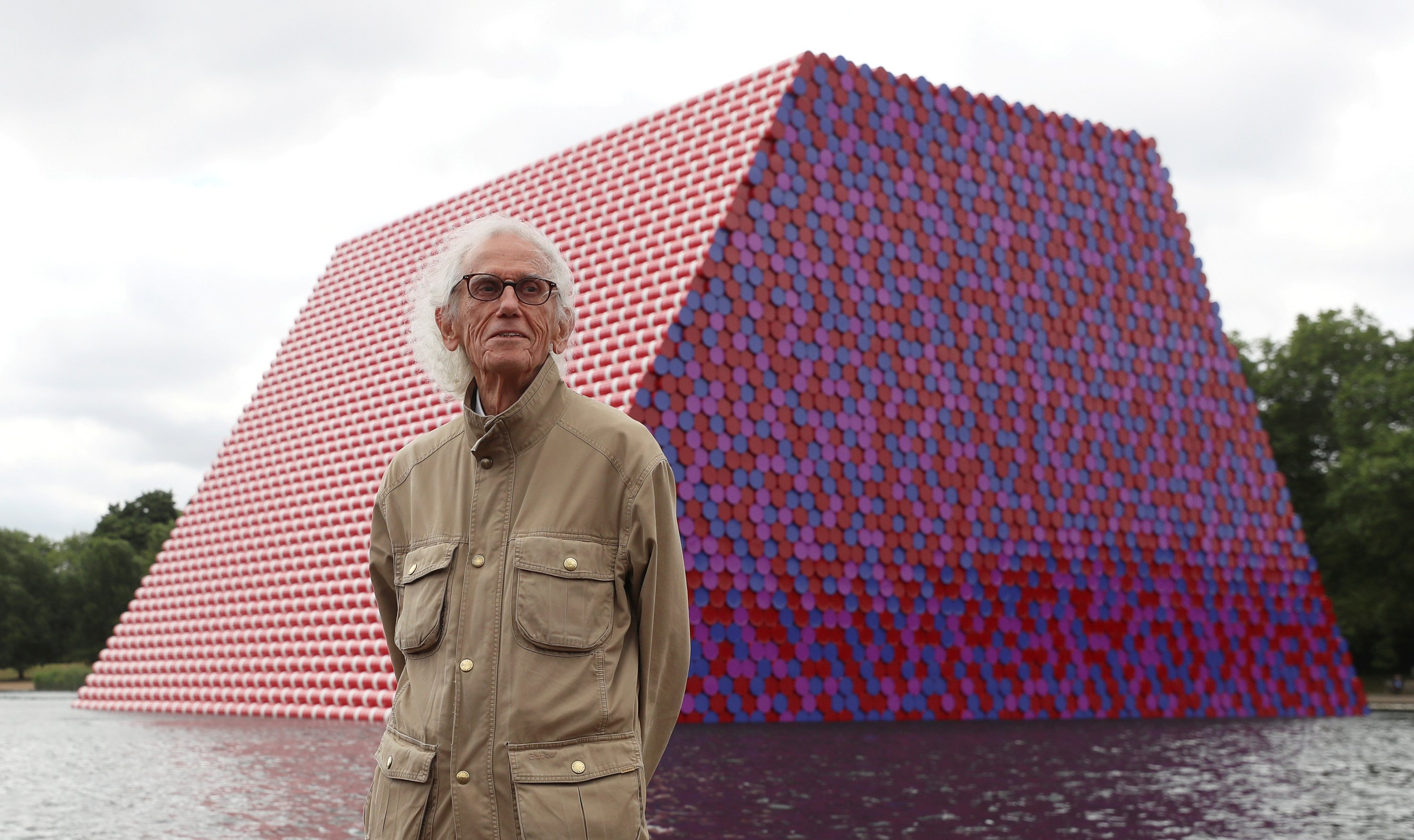 Christo Artist Who Wrapped The World Dies At 84 Daily Sabah