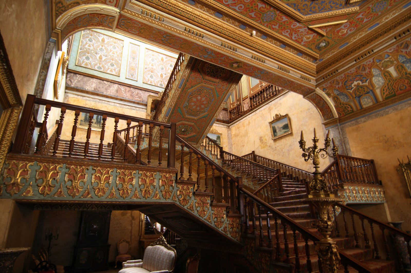 A photo from the interior of Beylerbeyi Palace. (iStock Photo)