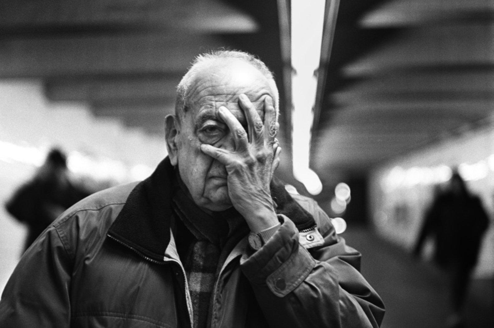 A photo of Ilhan Mimaroğlu in New York. (Photo Courtesy of Heimatlos Films)