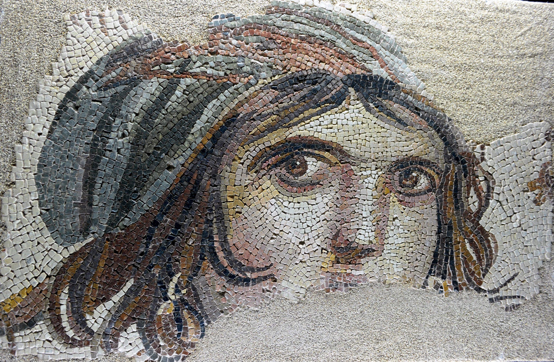 Renowned 'Gypsy Girl' mosaic at the Zeugma Mosaic Museum in Gaziantep, southern Turkey. (PHOTO BY KUTUP DALGAKIRAN)
