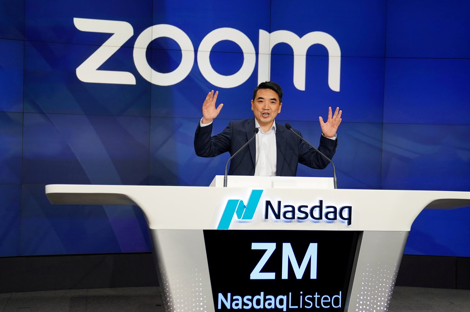 Eric Yuan, CEO of Zoom Video Communications takes part in a bell-ringing ceremony at the NASDAQ MarketSite in New York, New York, U.S., April 18, 2019. (Reuters Photo)