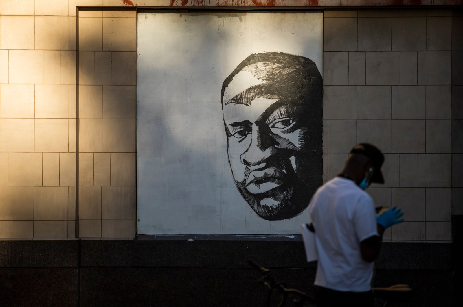 A mural of George Floyd is seen, Oakland, California, U.S., June 3, 2020. (AFP Photo)