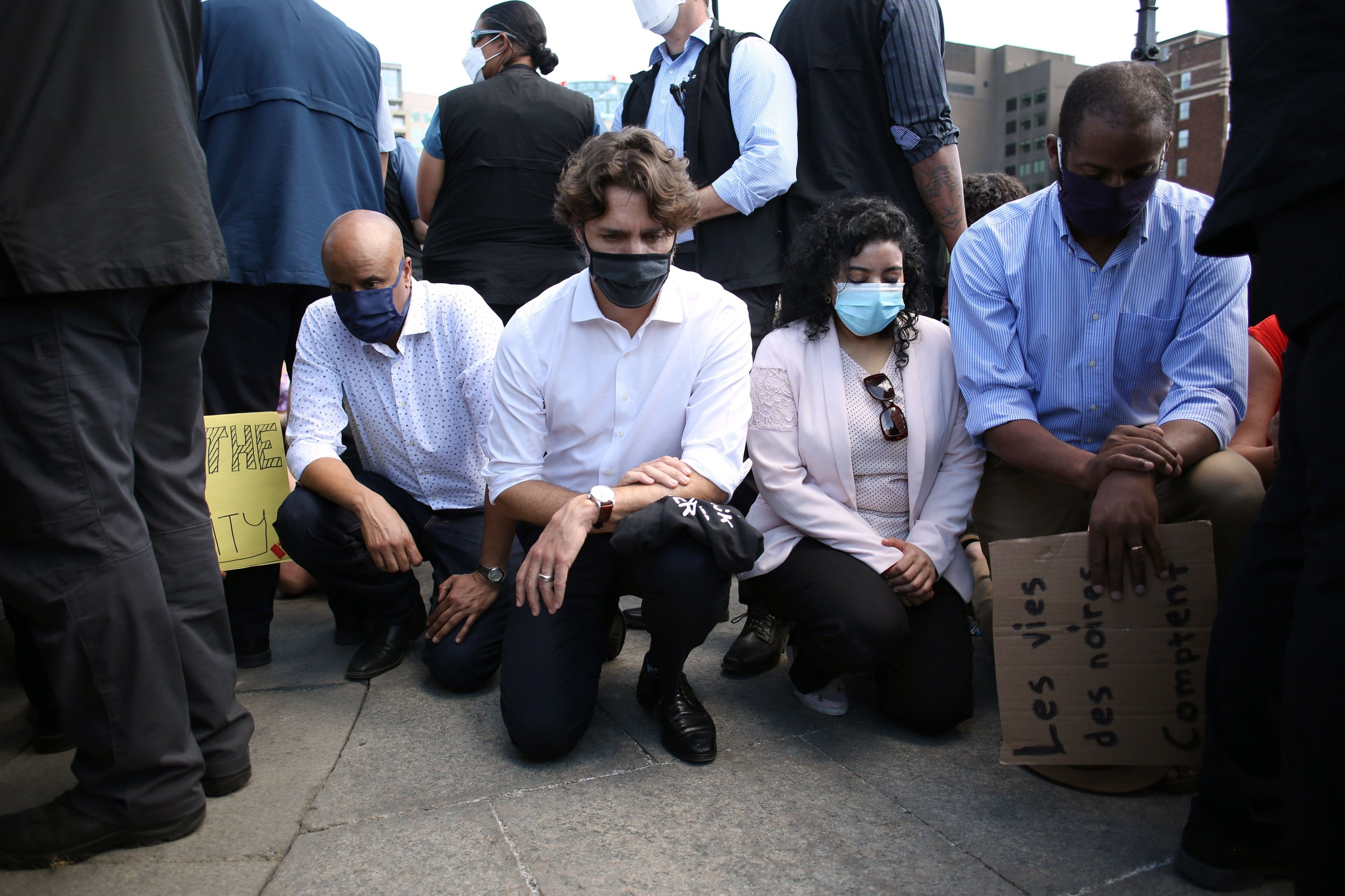 Canadian Prime Minister Justin Trudeau takes a knee during a Black Lives Matter protest on Parliament Hill, Ottawa, June 5, 2020. (AFP Photo)