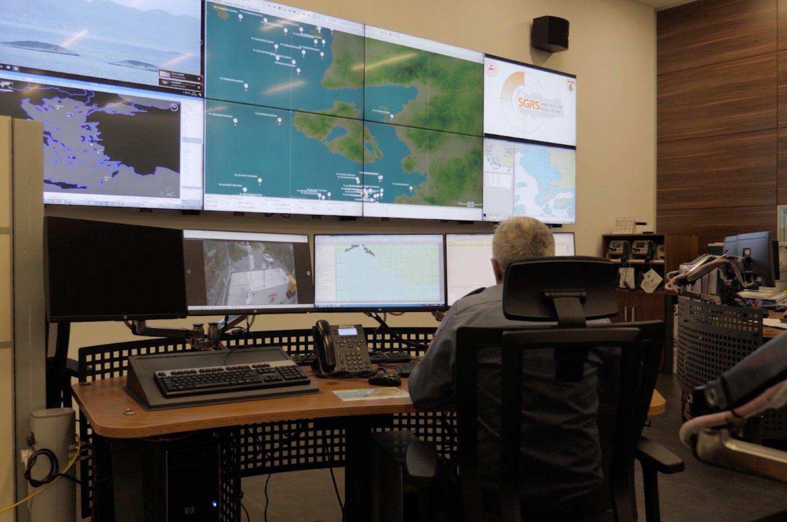 A coast guard official using the new Coast Surveillance Radar System (SGRS) on June 7, 2020. (Turkey's Presidency of Defense Industries Undersecretariat)
