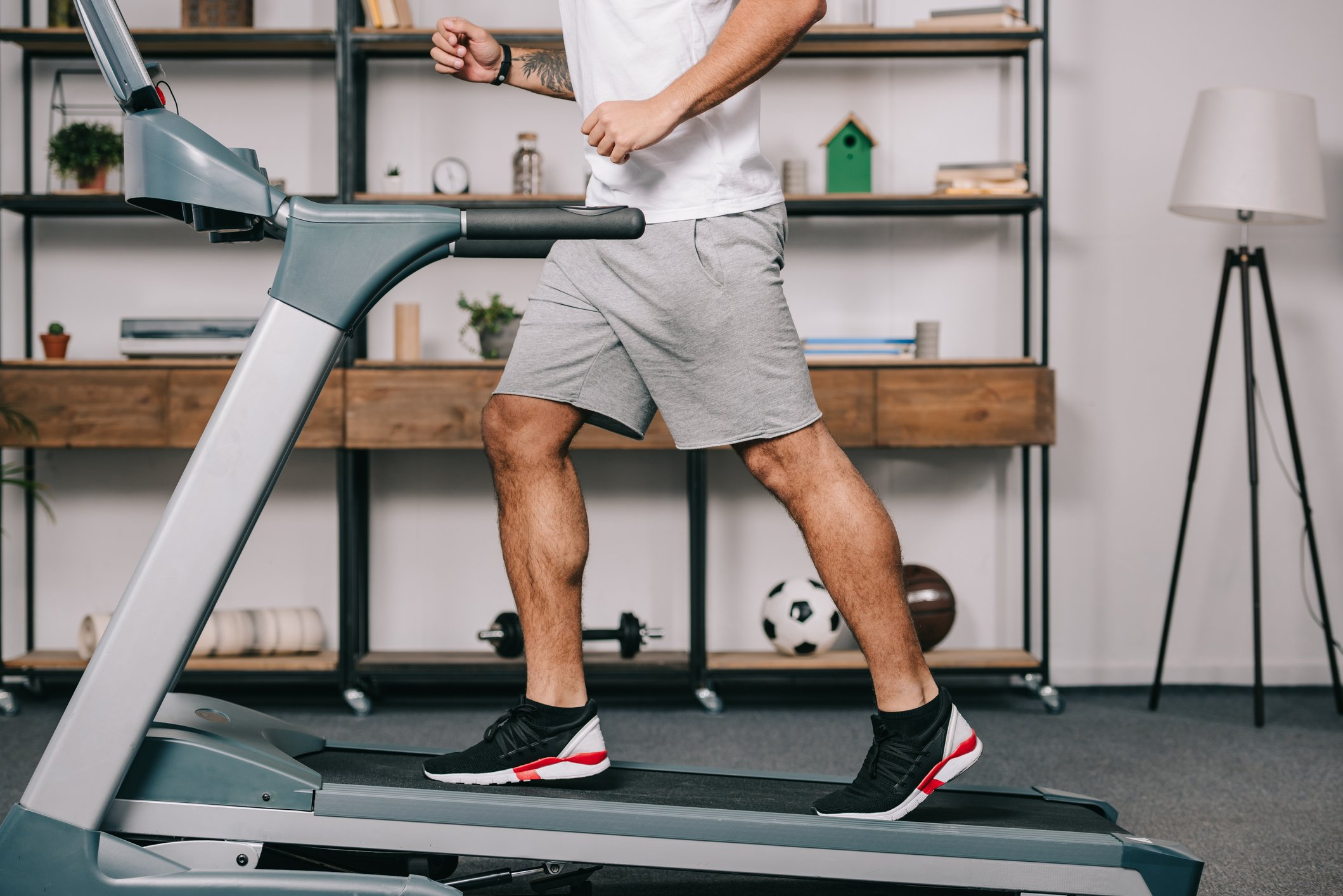 Choosing the right treadmill and knowing its settings is also very important. (iStock Photo)