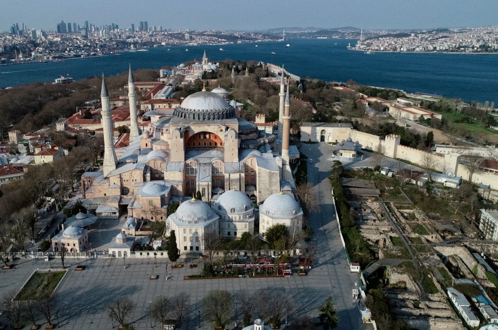 An aerial view of deserted streets around Hagia Sophia during a two-day curfew imposed to prevent the spread of the coronavirus, Istanbul, Turkey, April 11, 2020. (Reuters Photo)