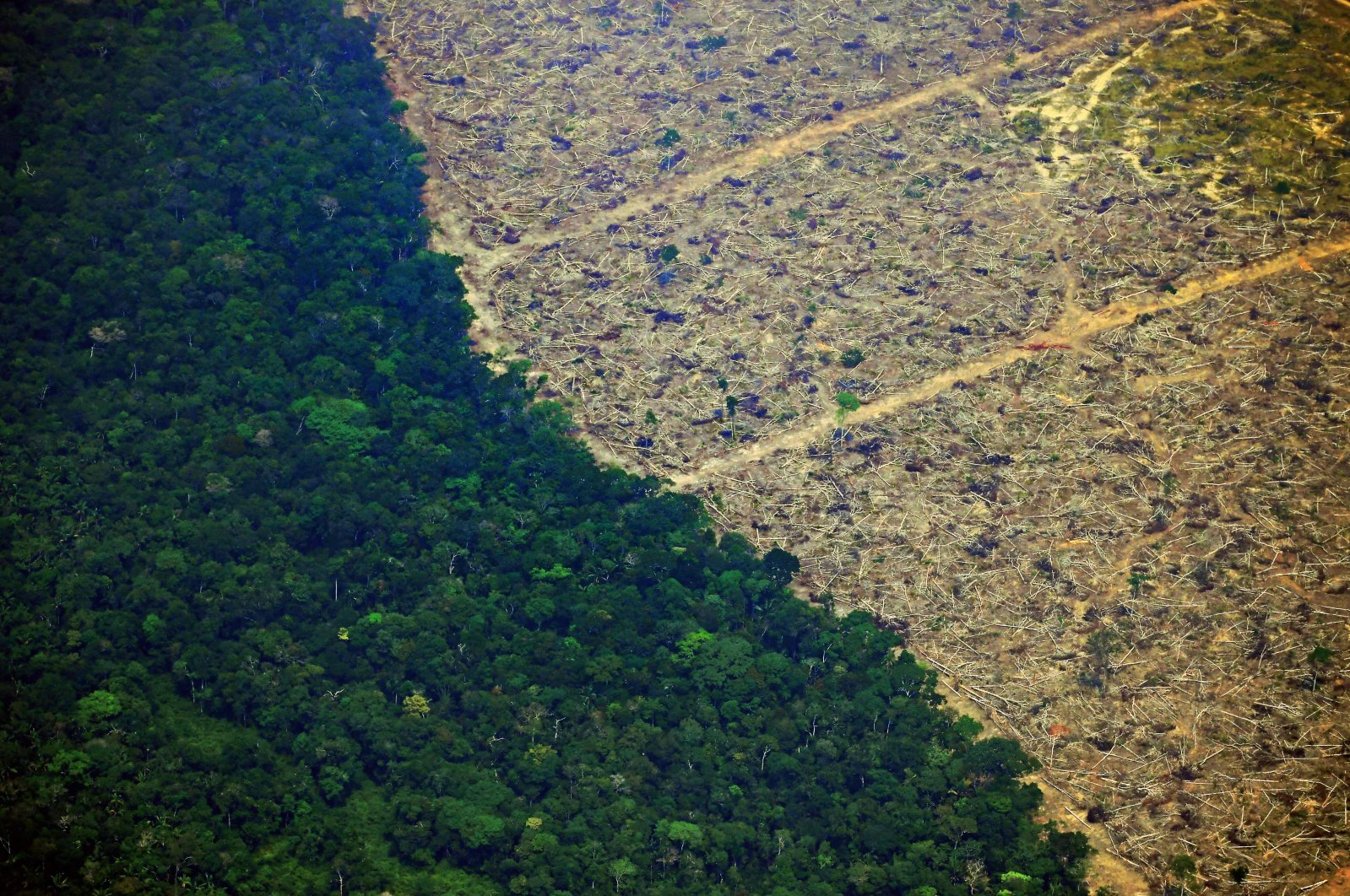An aerial view of a deforested piece of land in the Amazon rainforest near an area affected by fires, 65 kilometers from Porto Velho, state of Rondonia, northern Brazil, Aug. 23, 2019. (AFP Photo)