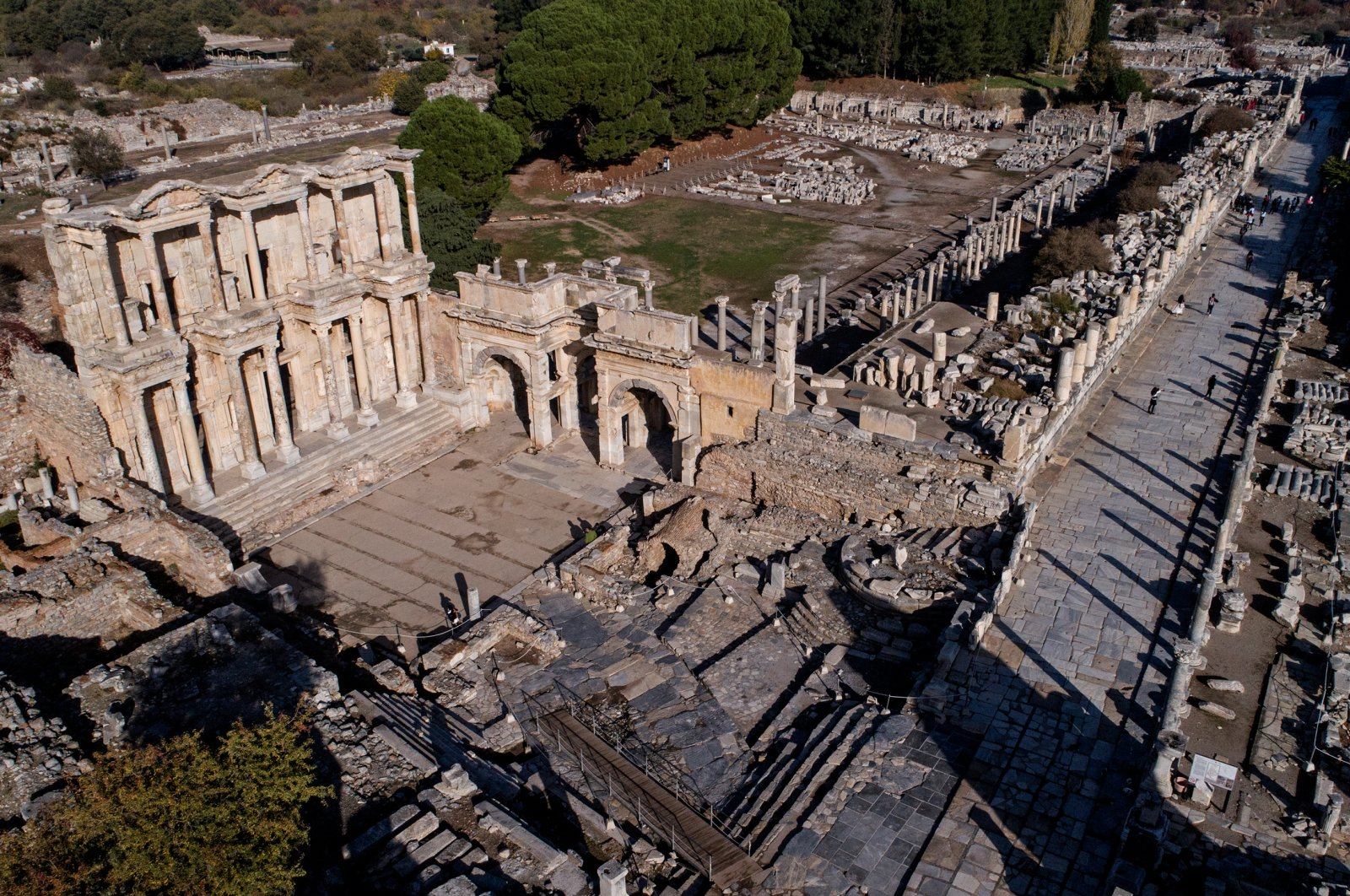 The ancient city of Ephesus, which is on the UNESCO's World Heritage List, is one of the landmarks of Izmir. (AA PHOTO)