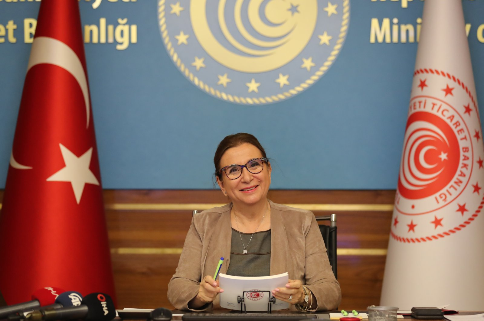 Trade Minister Ruhsar Pekcan holds a videoconference meeting with Service Exporters Association members, Ankara, Turkey, June 11, 2020. (AA Photo)