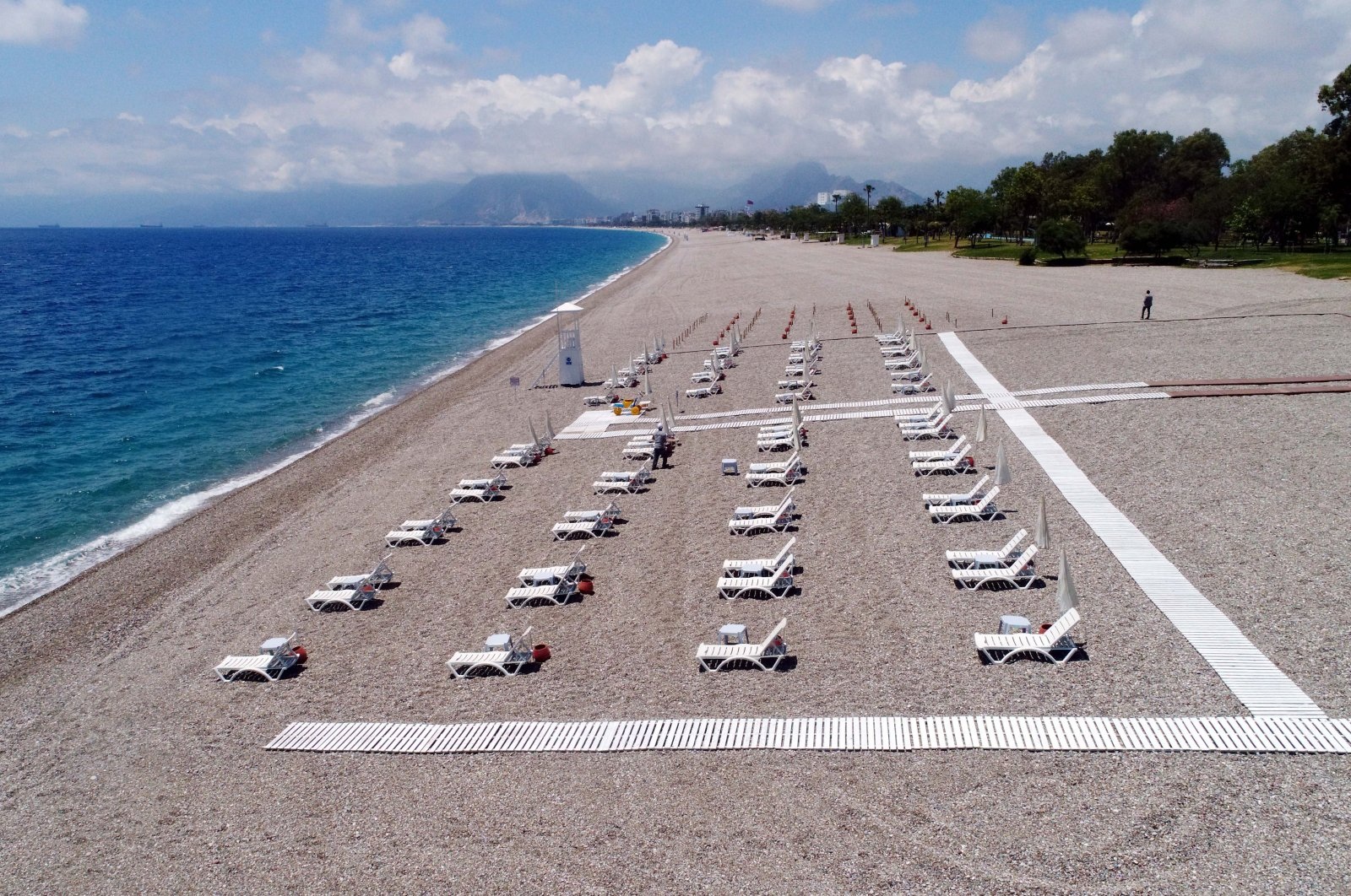 A beach in the southern resort city of Antalya seen reorganized in accordance with social distancing rules, southern Turkey, June 1, 2020. (DHA Photo)