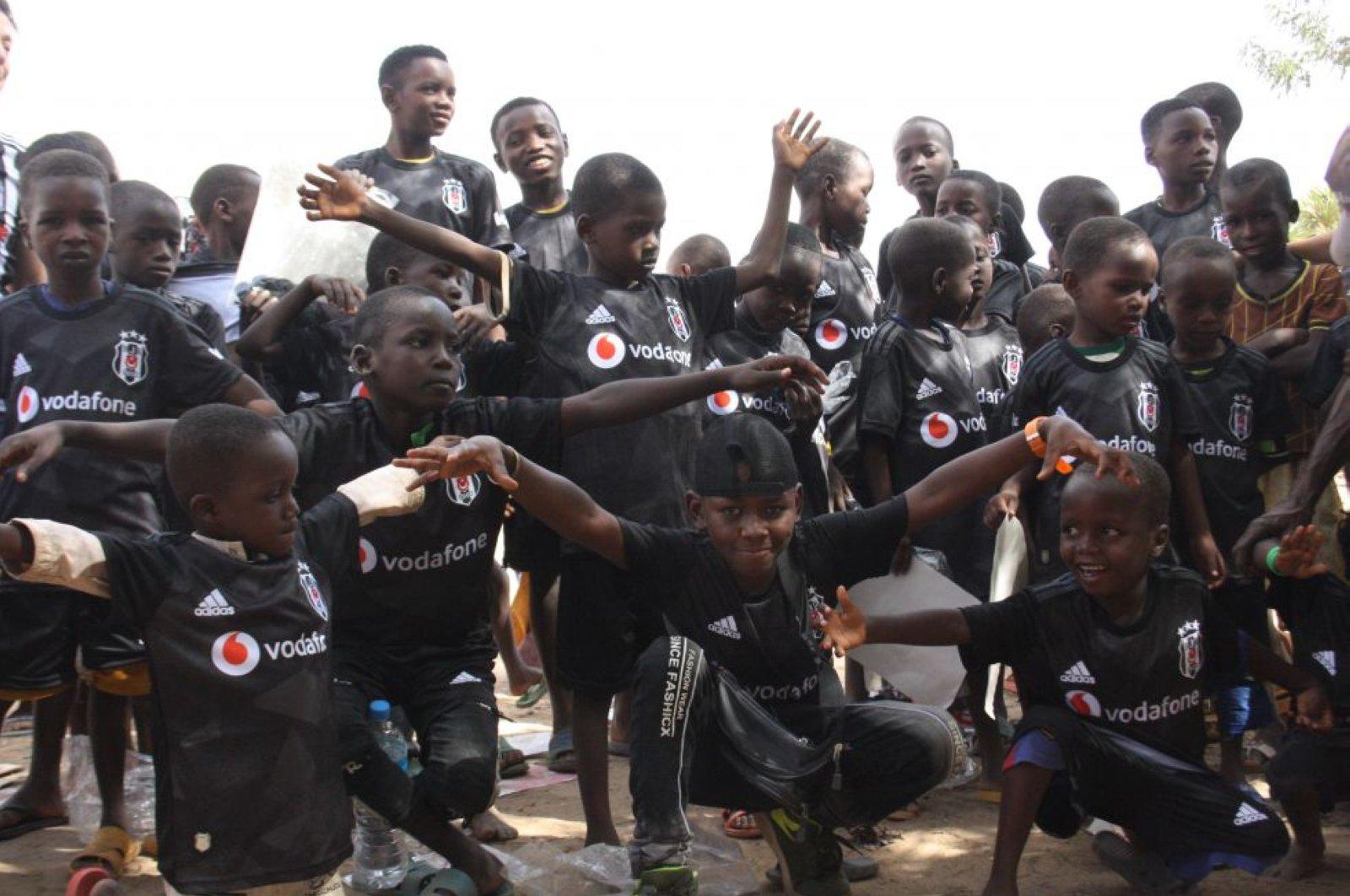 Children in Niger's Niamey in Beşiktaş jerseys, June 10, 2020 (AA Photo)