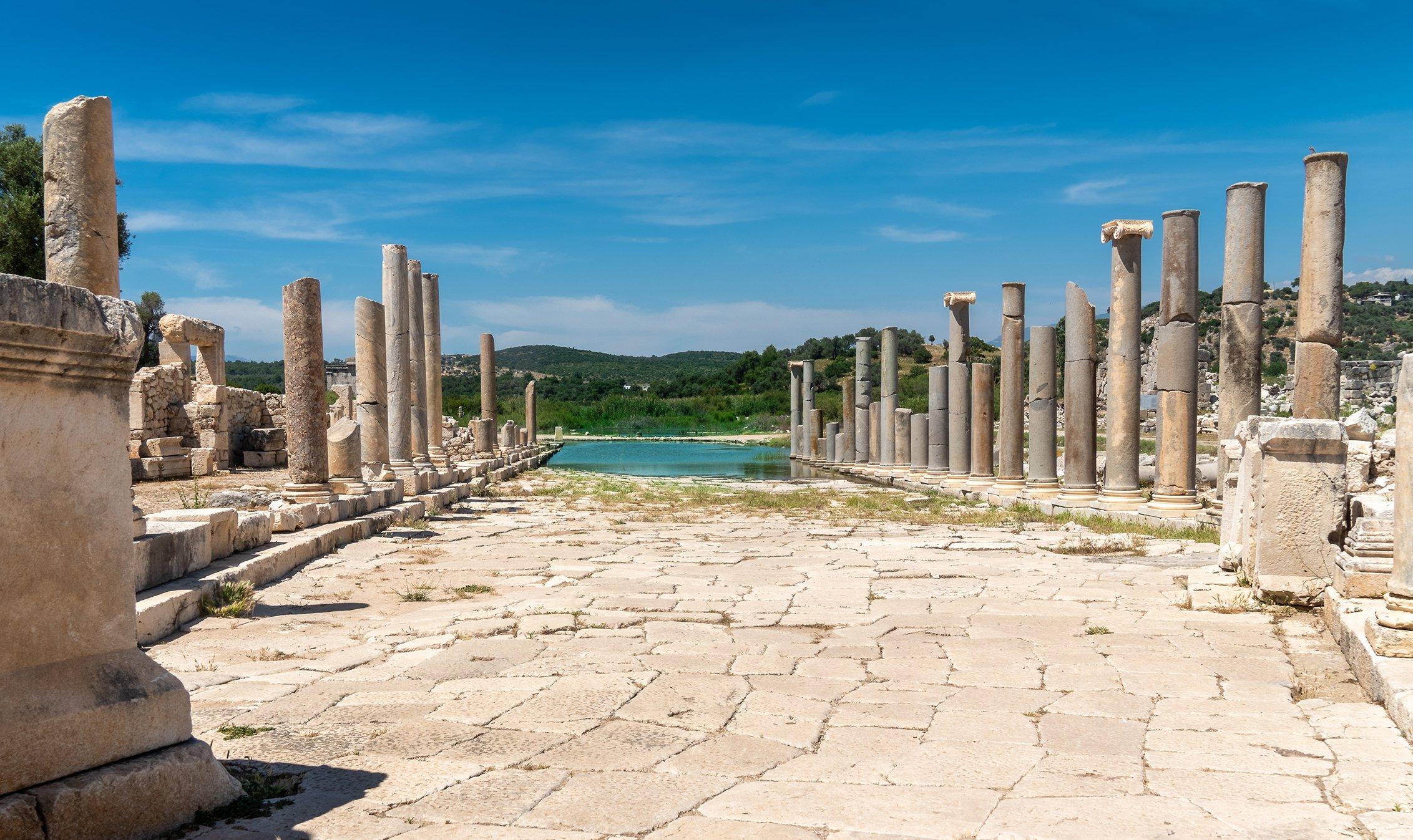 Juste à l'extérieur de Kalkan, se trouvent les ruines de l'ancienne ville de Patara, à Antalya, en Turquie.  (Photo iStock / Scottie Bumich)