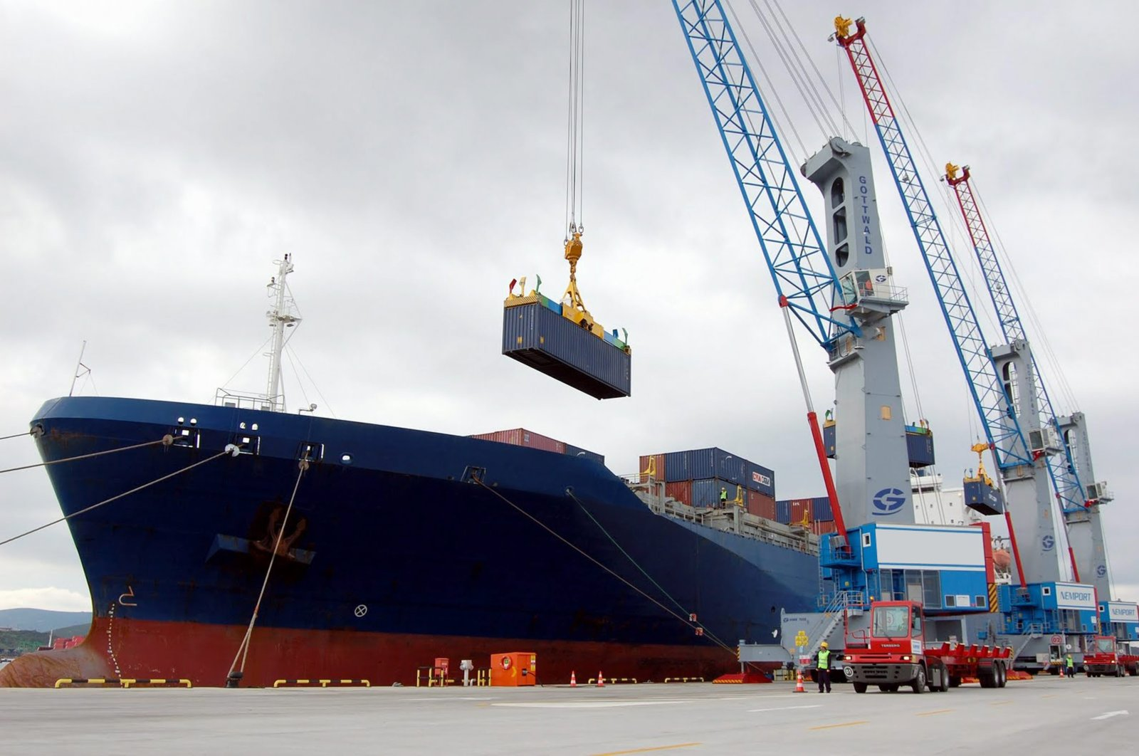 The country's current account deficit was $469 million in April 2019. (File Photo)