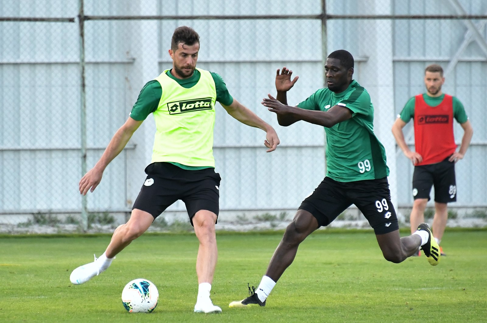 Players of Süper Lig's İttifak Holding Konyaspor in a training session in Konya, Turkey, June 11, 2020. (AA Photo)