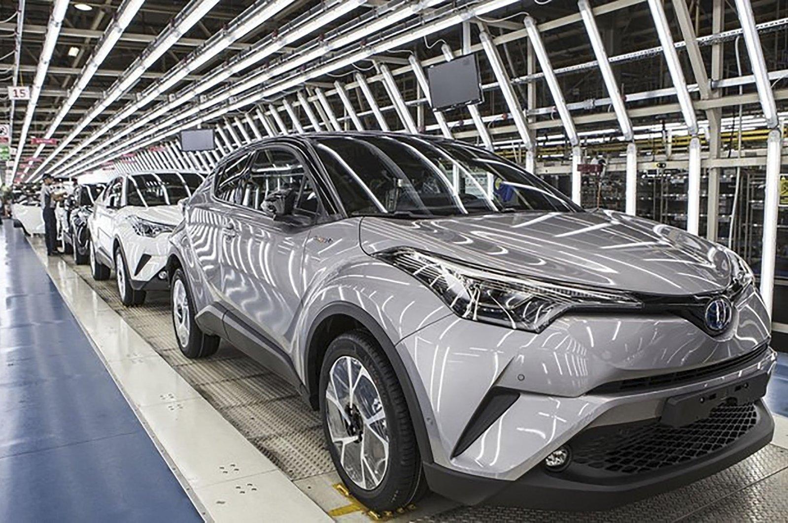 A production line for Toyota's C-HR hybrid SUV at the company's plant, northwestern Sakarya, Turkey. (Source: TOYOTA)