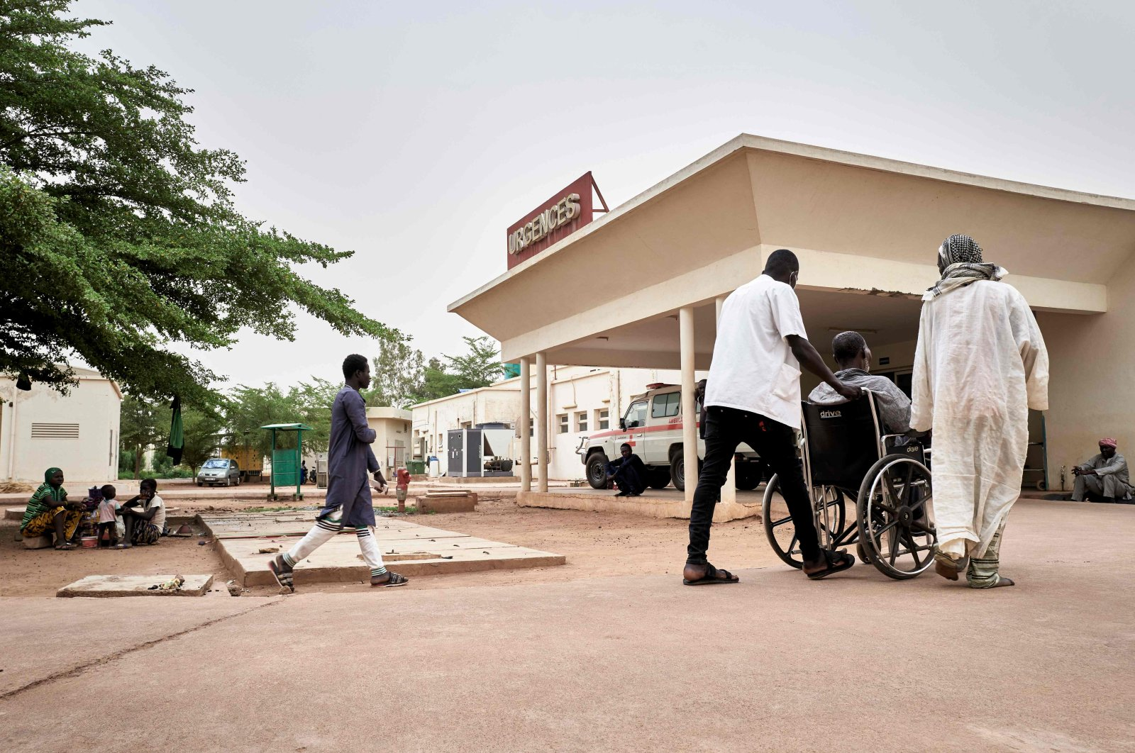 A patient is transported to the emergency department of the Somine Dolo Hospital in Mopti, Mali, May 28, 2020. (AFP Photo)