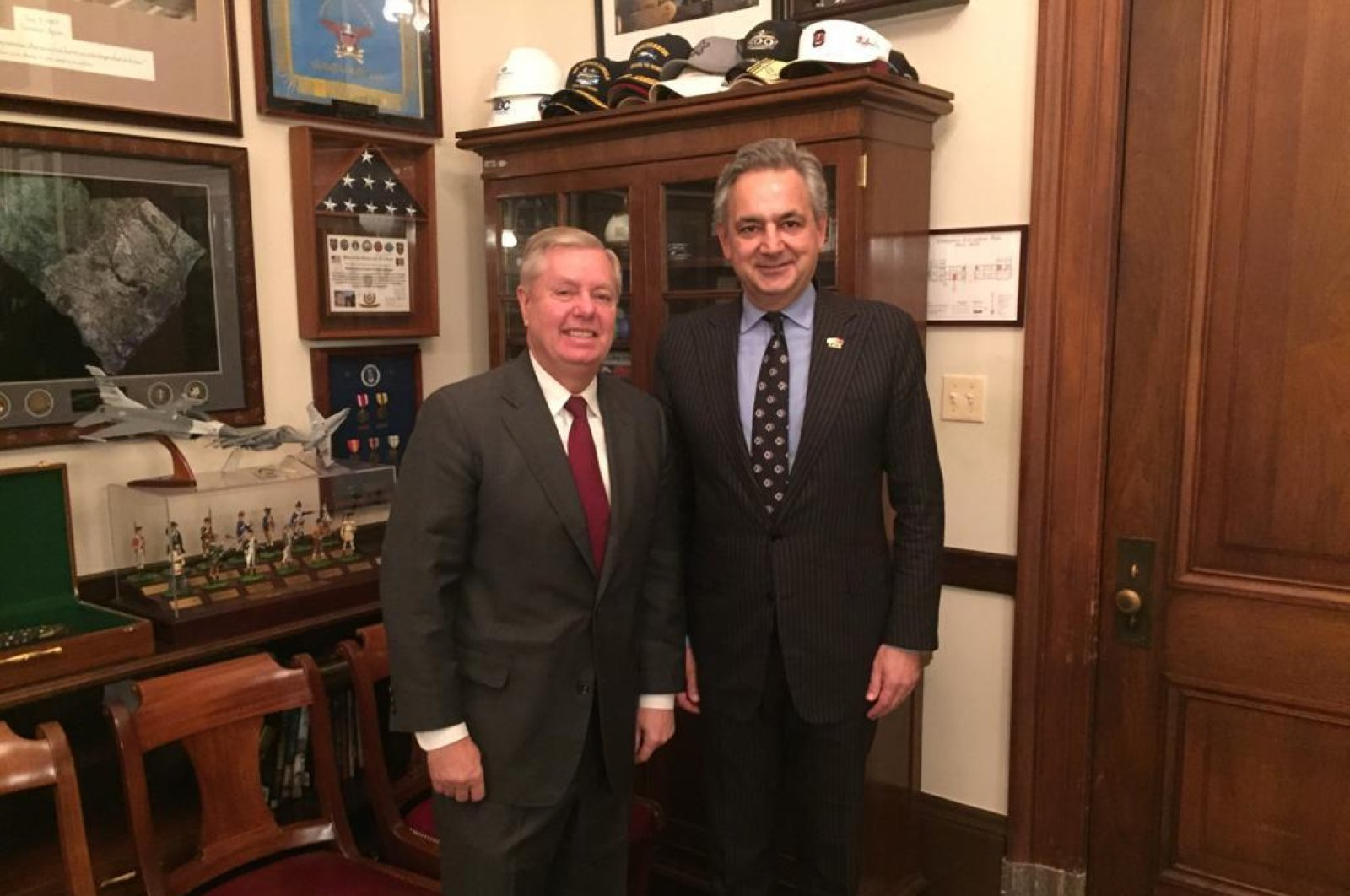 U.S. Senator Lindsey Graham of South Carolina (L) and TAIK Chairman Mehmet Ali Yalçındağ at Capitol Hill, Washington, D.C. (Courtesy of TAIK)
