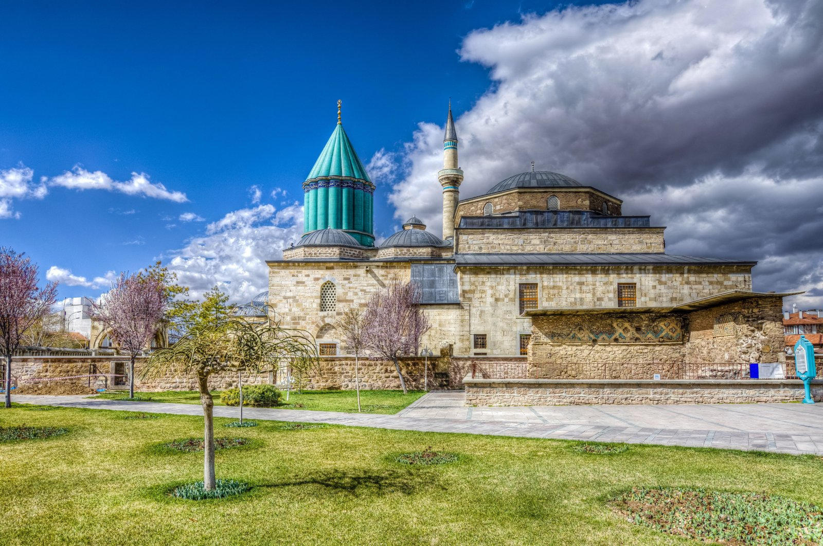 Mevlana Museum is one of the most-visited places in Turkey. (iStock Photo /Nejdet Düzen) (The photo source is for paper, I will delete and write just iStock Photo for web, please don't delete the name)