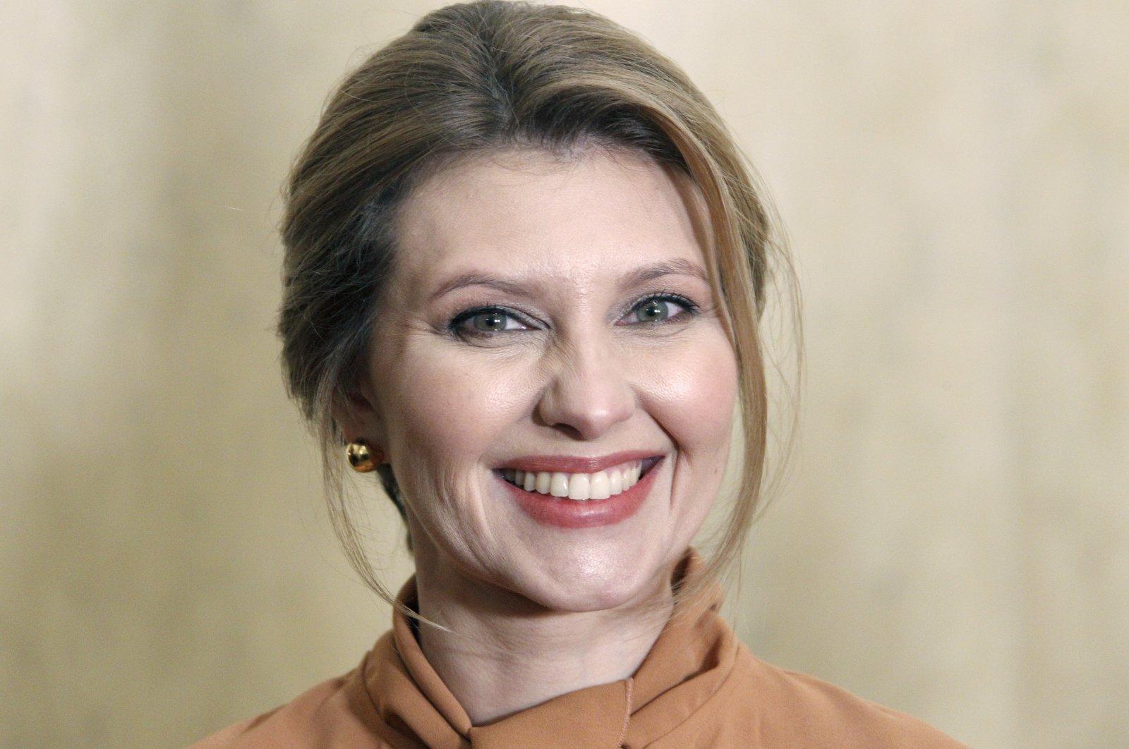 Ukraine's First Lady Olena Zelenska poses for photos during a welcoming ceremony in Tallinn, Estonia, Nov. 26, 2019. (EPA-EFE Photo)