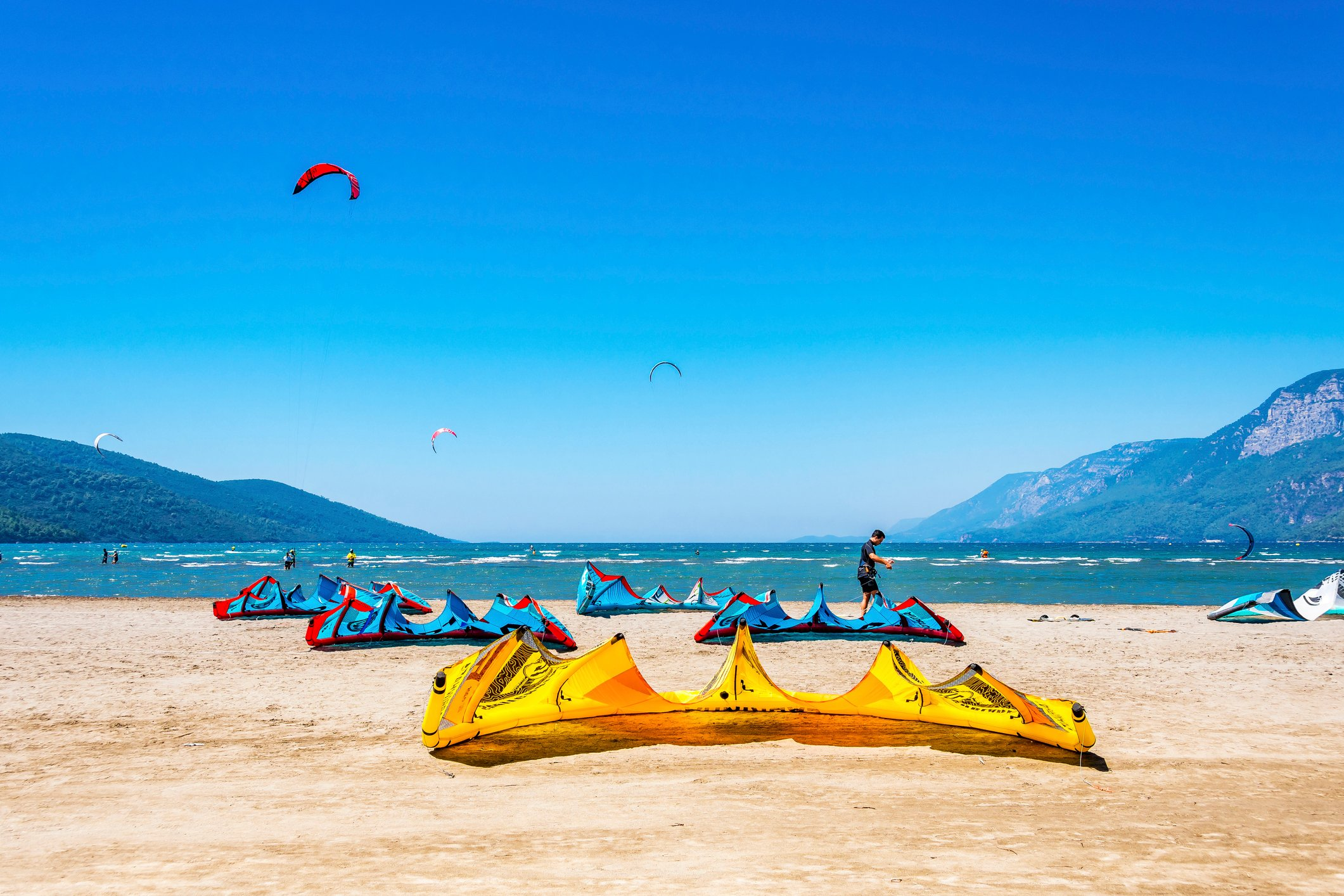 Akyaka draws hundreds of kitesurfers to the Gulf of Gökova every year. (iStock Photo)
