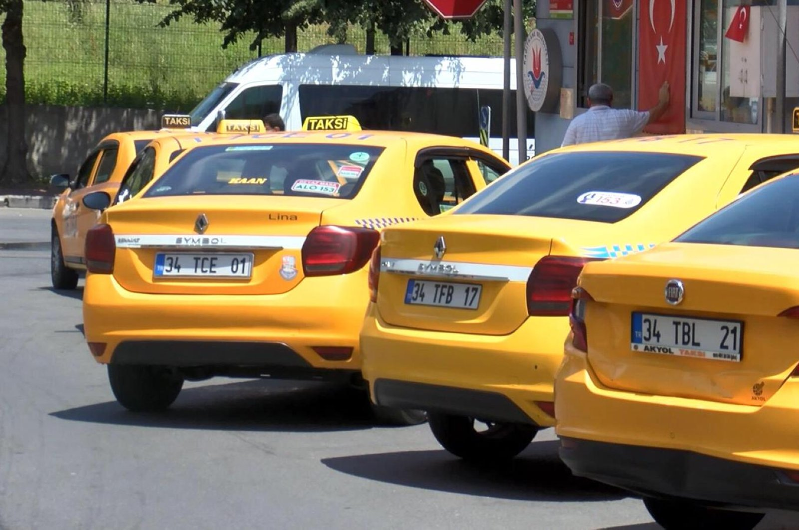 Taxis parked at a taxi stand, in Istanbul, Turkey, June 16, 2020. (DHA Photo)