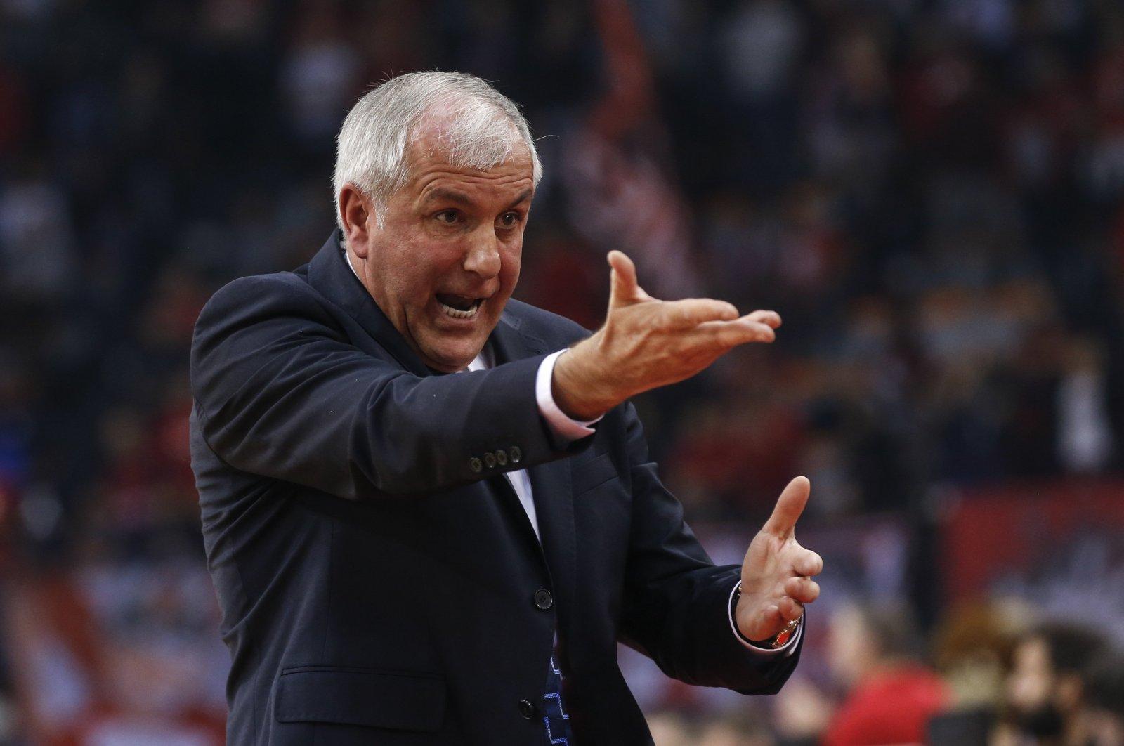 Zeljko Obradovic gestures during a EuroLeague match in Athens, Greece, Nov. 17, 2018. (AA Photo)