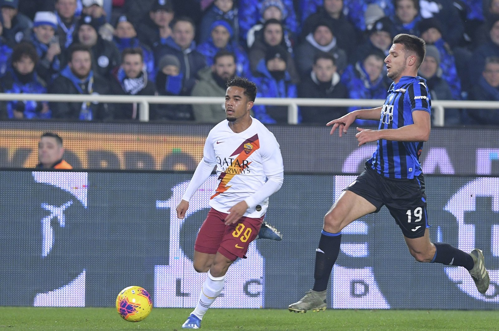 Roma's Justin Kluivert (L), during a match, in Bergamo, Italy, Feb. 15, 2020. His father Patrick is the third-highest goal-scorer for the Netherlands international team with 40 goals.(AP Photo)