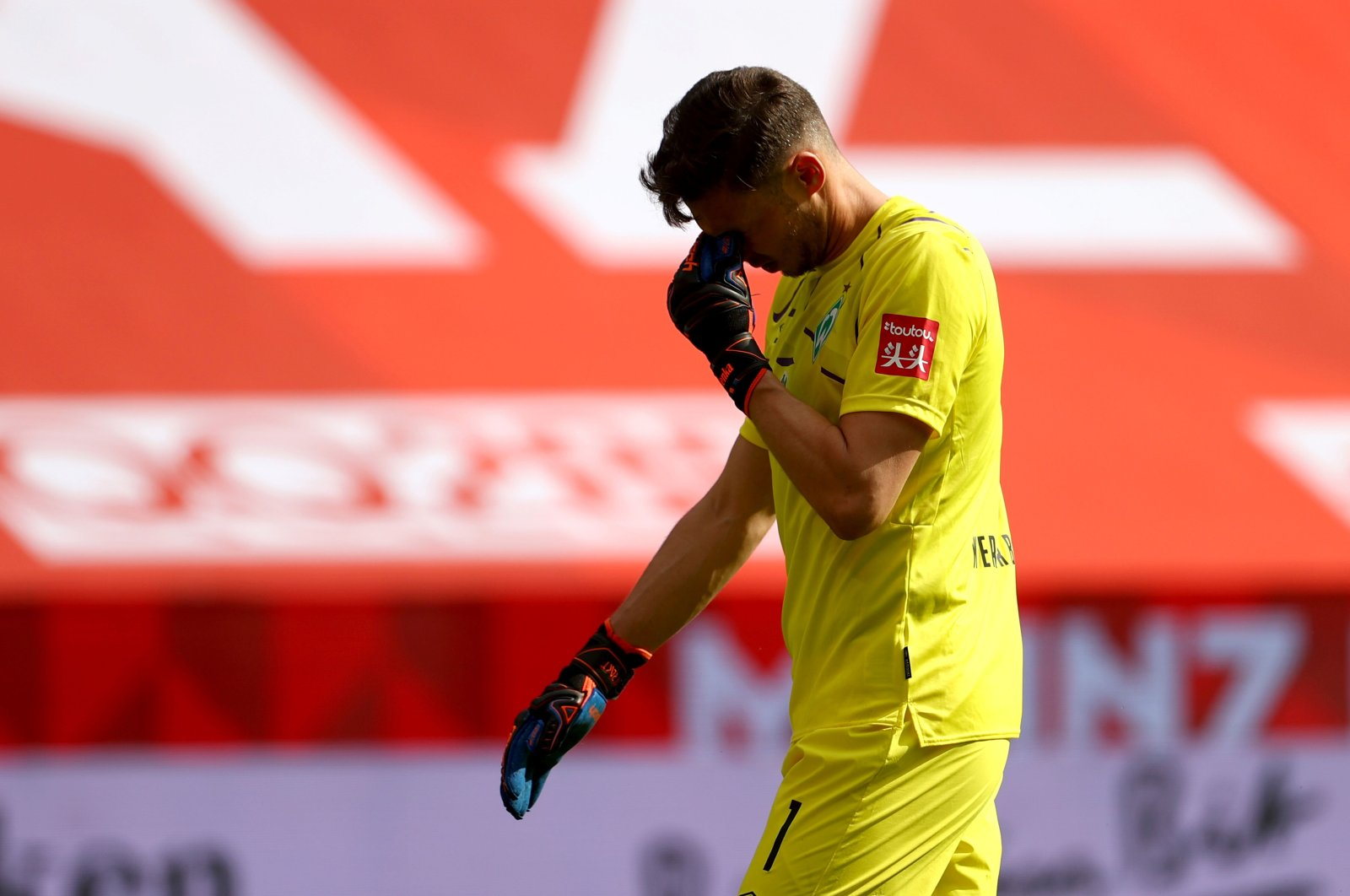 Bremen's Jiri Pavlenka reacts at the end of the match against Mainz, in Mainz, Germany, June 20, 2020. (AFP Photo)