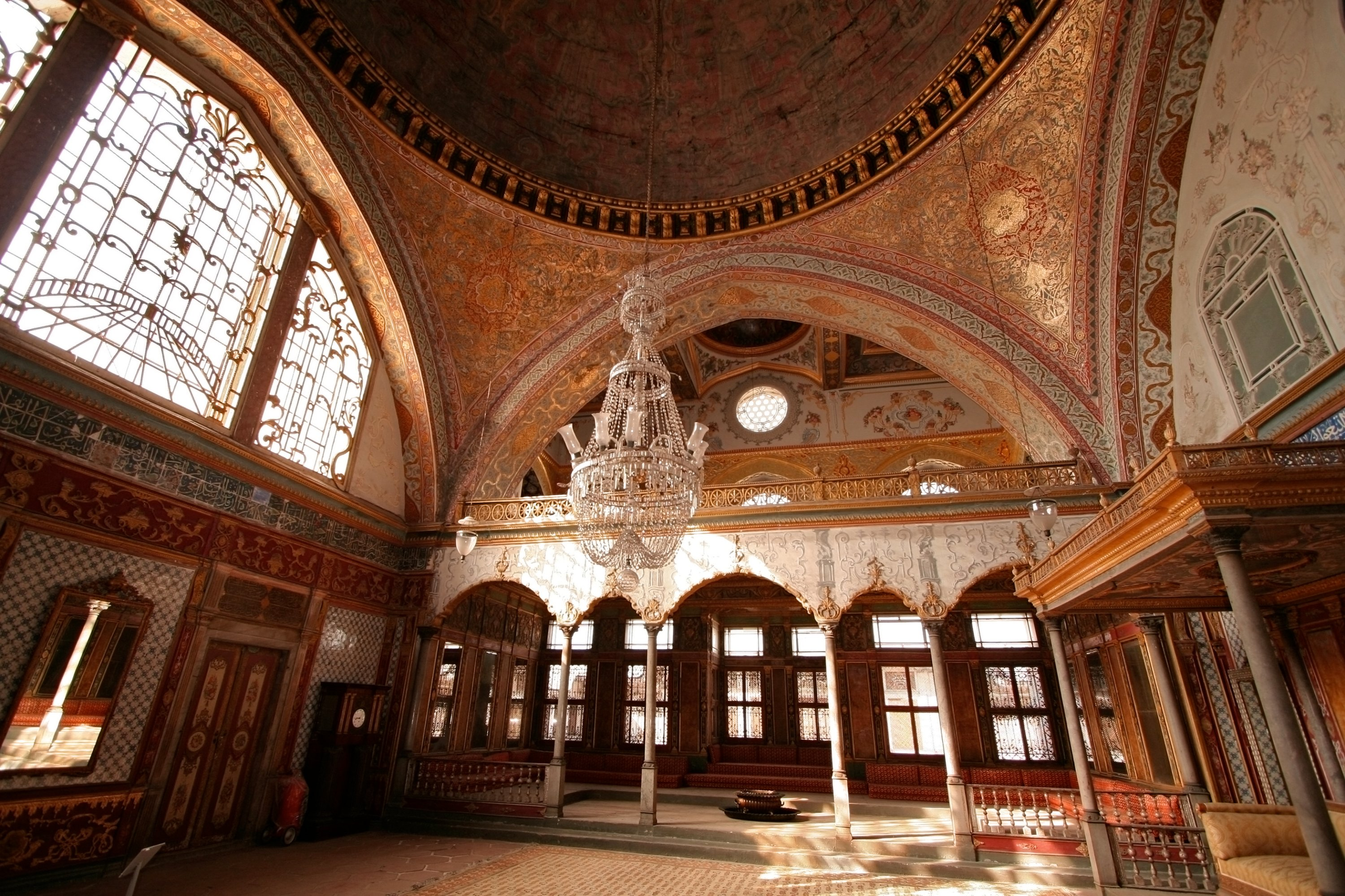 The Topkapı Palace served as the main residence and administrative headquarters of Ottoman sultans in the 15th and 16th centuries. (iStock Photo)