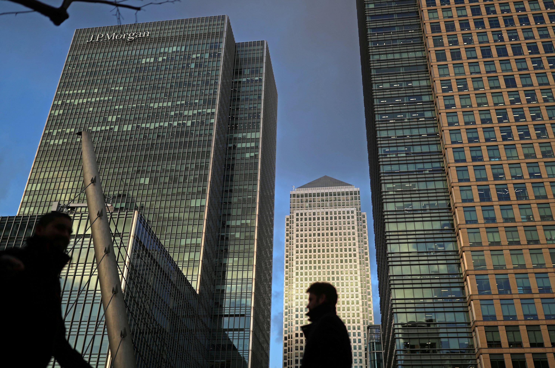 Pandemic propels old-school bond traders toward electronic future thumbnail