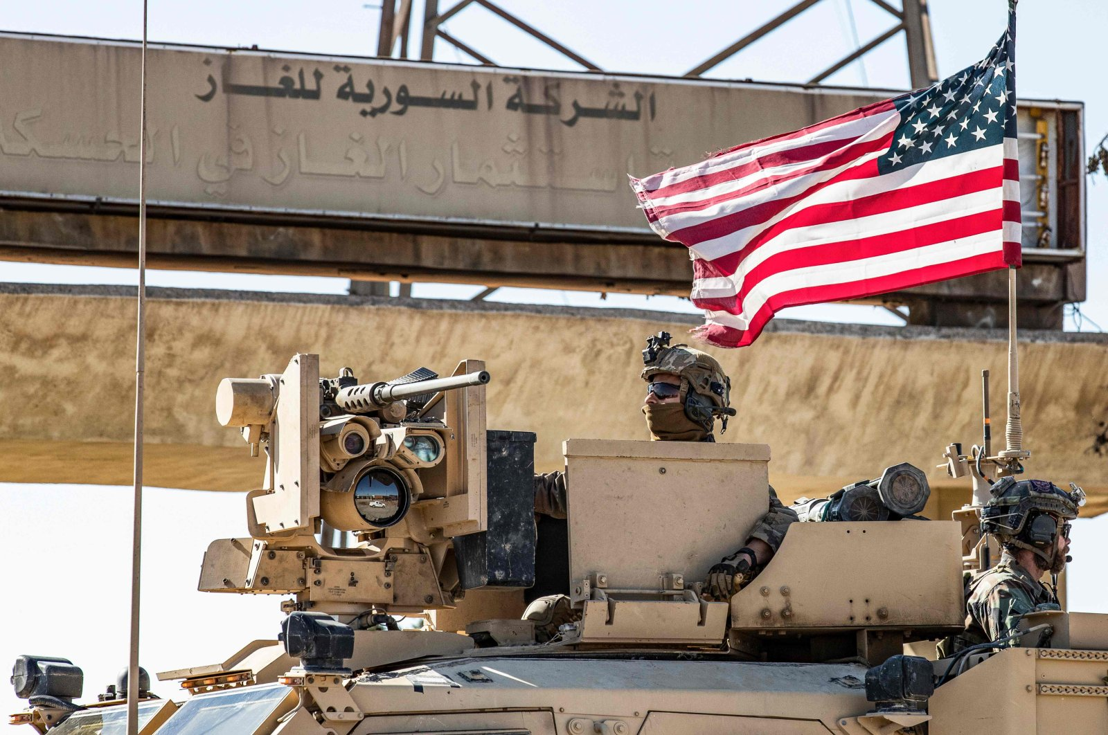 A U.S. soldier mans a turret in an armoured vehicle, Rumaylan in Syria's northeastern Hasakeh province, Nov. 6, 2019. (AFP Photo)