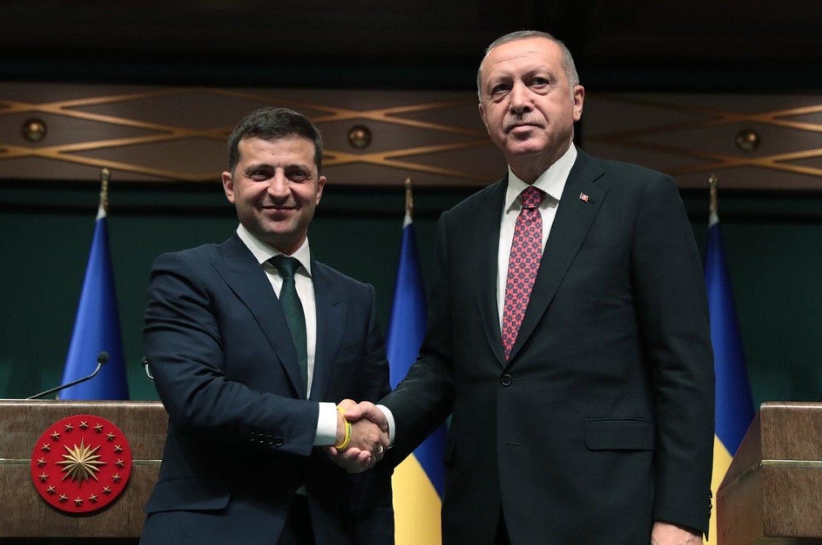 President Recep Tayyip Erdoğan (R) and his Ukrainian counterpart Volodymyr Zelensky shake hands after joint press conference, Ankara, Aug. 7, 2019 (Sabah File Photo)