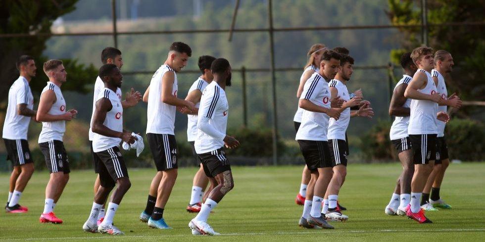 2 Beşiktaş players test positive for COVID-19