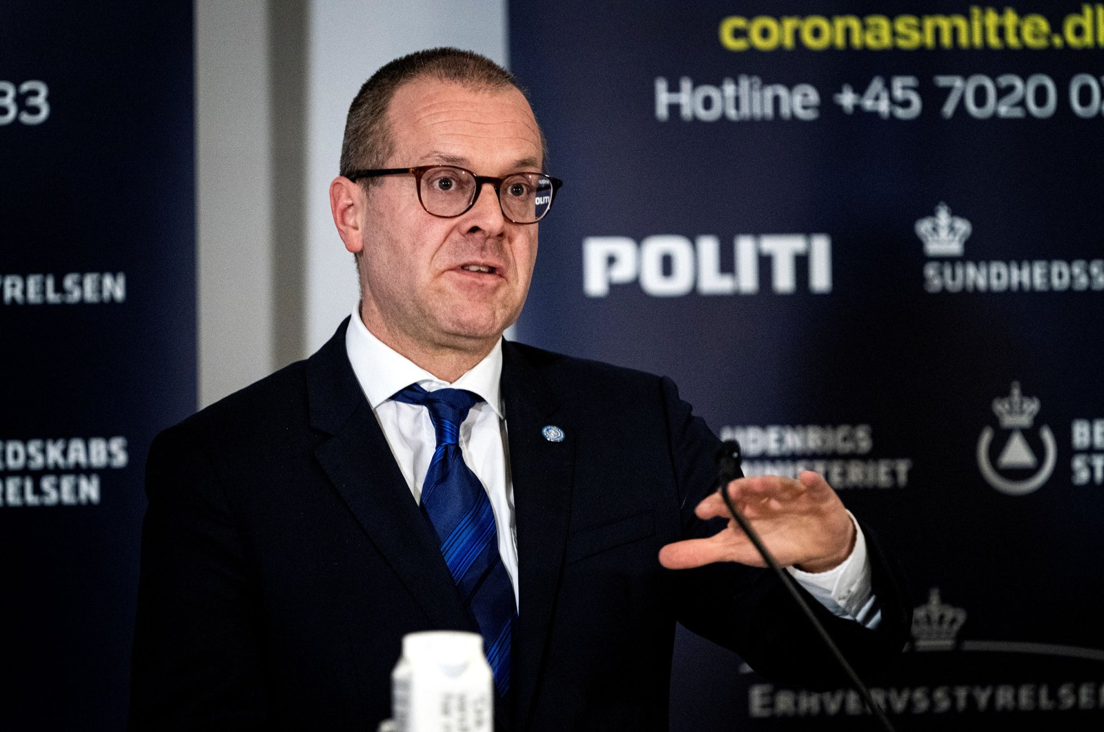 The Danish Health Boards director, Soeren Brostroem, (R), and WHO European director Hans Kluge, gives status on the Danish handling of coronavirus during a press briefing in Eigtveds Pakhus, Copenhagen, Denmark, March 27, 2020. (Reuters Photo)