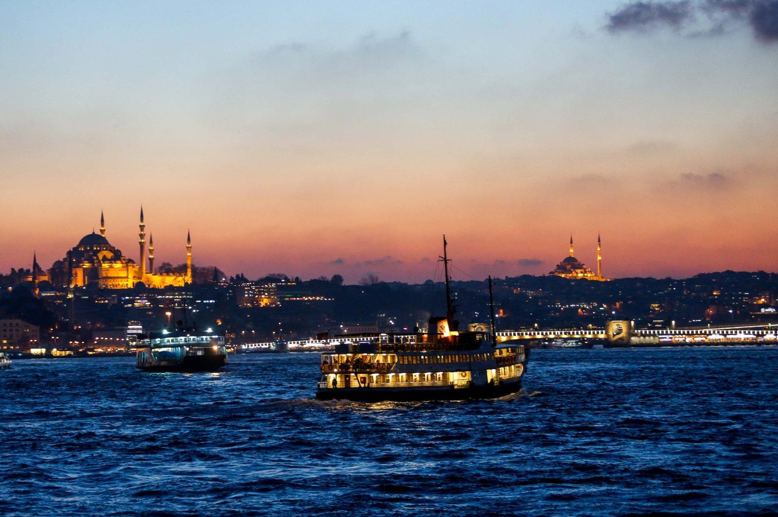 A ferry traveling along the Bosporus, in Istanbul, Turkey, Nov. 30, 2017. (PHOTO BY UĞUR YILDIRIM)