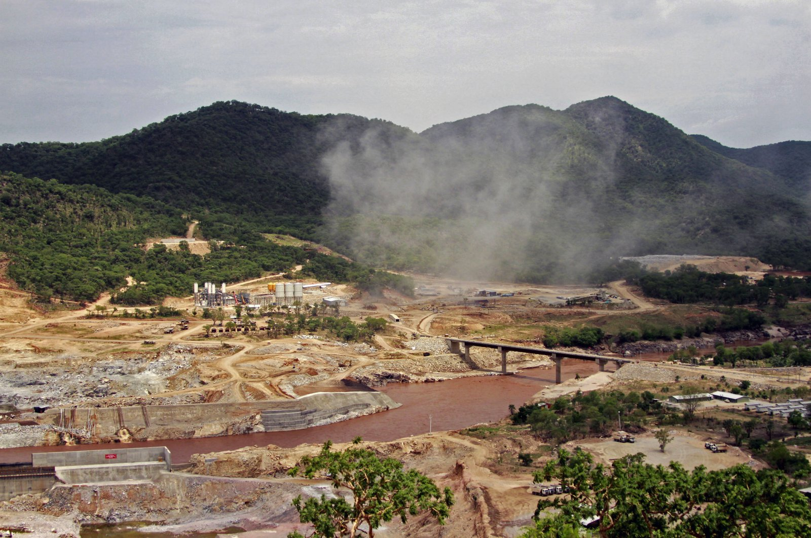 The Blue Nile river flows near the site of the planned Grand Ethiopian Renaissance Dam near Assosa in the Benishangul-Gumuz region of Ethiopia, near Sudan, some 800 kilometers (500 miles) from the capital Addis Ababa, June 28, 2013. (AP Photo)