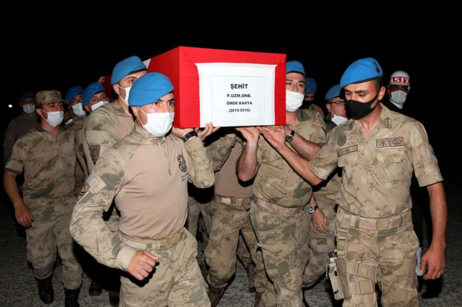 Soldiers carry the coffin of Ömer Kahya, a corporal killed in counterterrorism operations in Iraq, during a funeral ceremony in Şırnak, Turkey, June 19, 2020. (COURTESY OF MINISTRY OF NATIONAL DEFENSE)