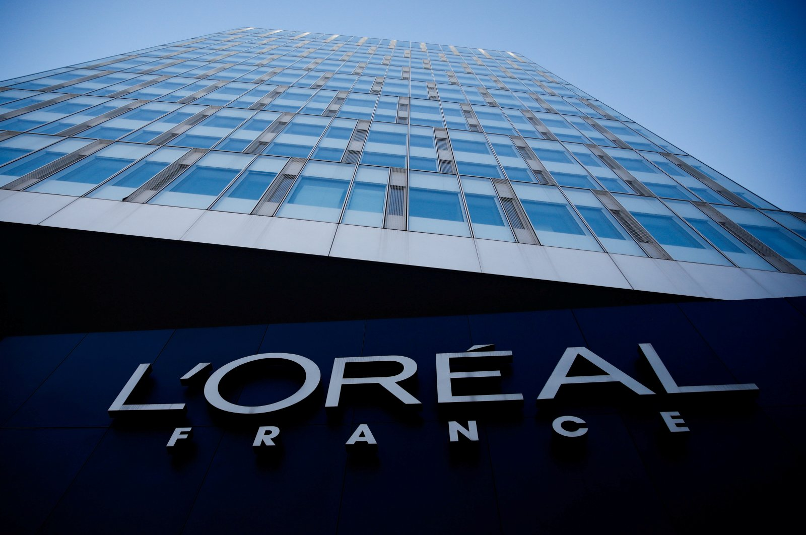 The logo of French cosmetics group L'Oreal in Levallois-Perret, France, Feb. 7, 2020. (Reuters Photo)