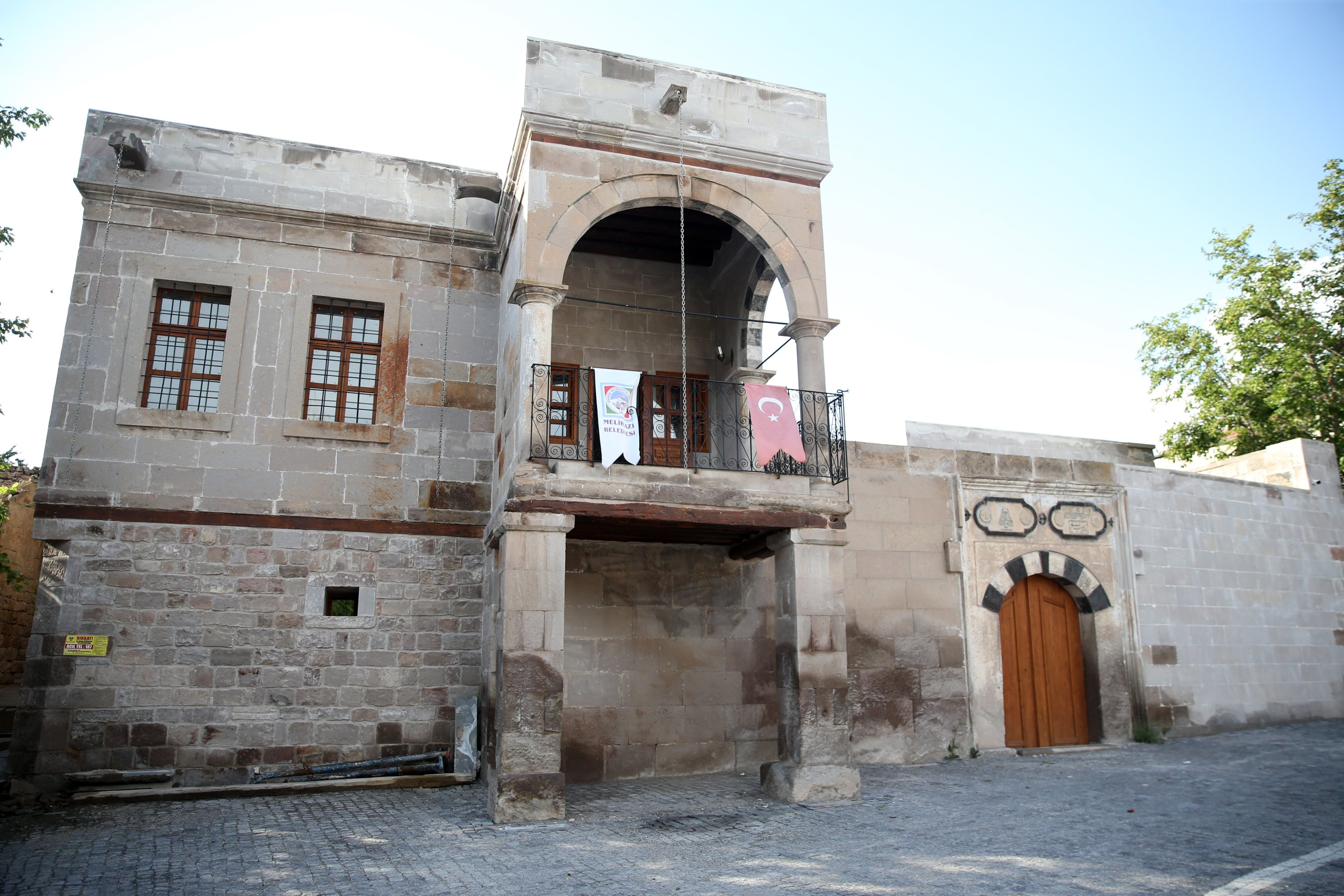 The Çerkezoğlu Mustafa Bey Mansion is one of the buildings to be renovated in the neighborhood. (AA PHOTO)