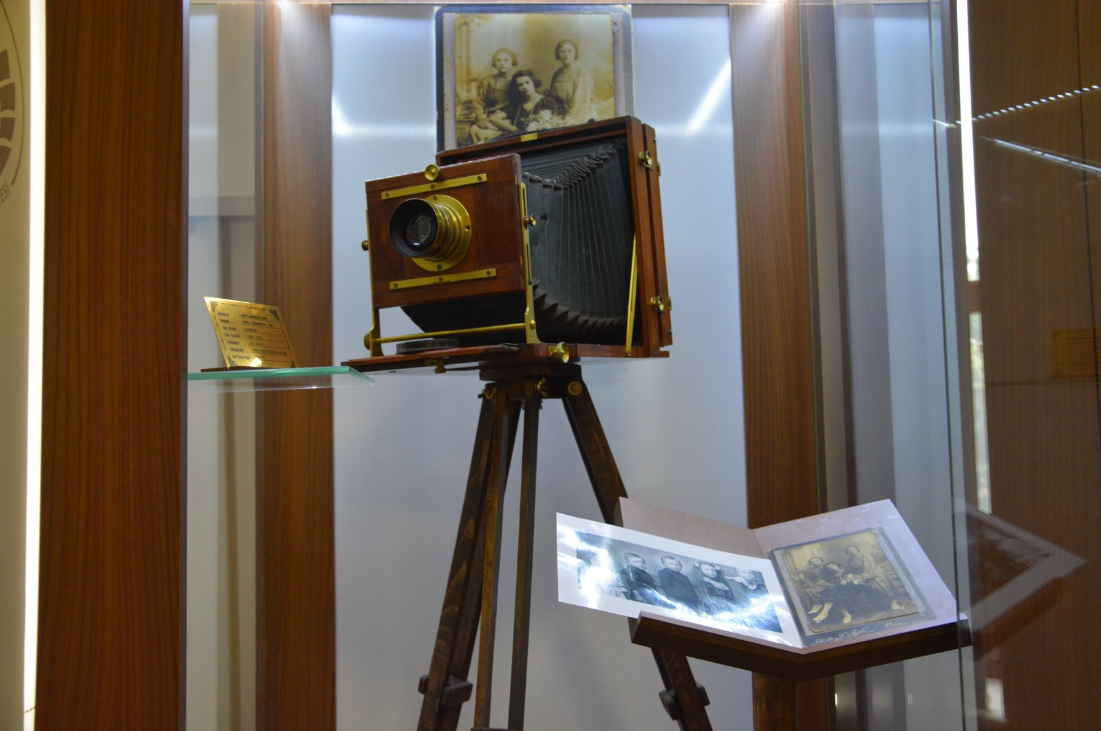 The 120-year-old camera was used in post-mortem photography in the past. (AA PHOTO)