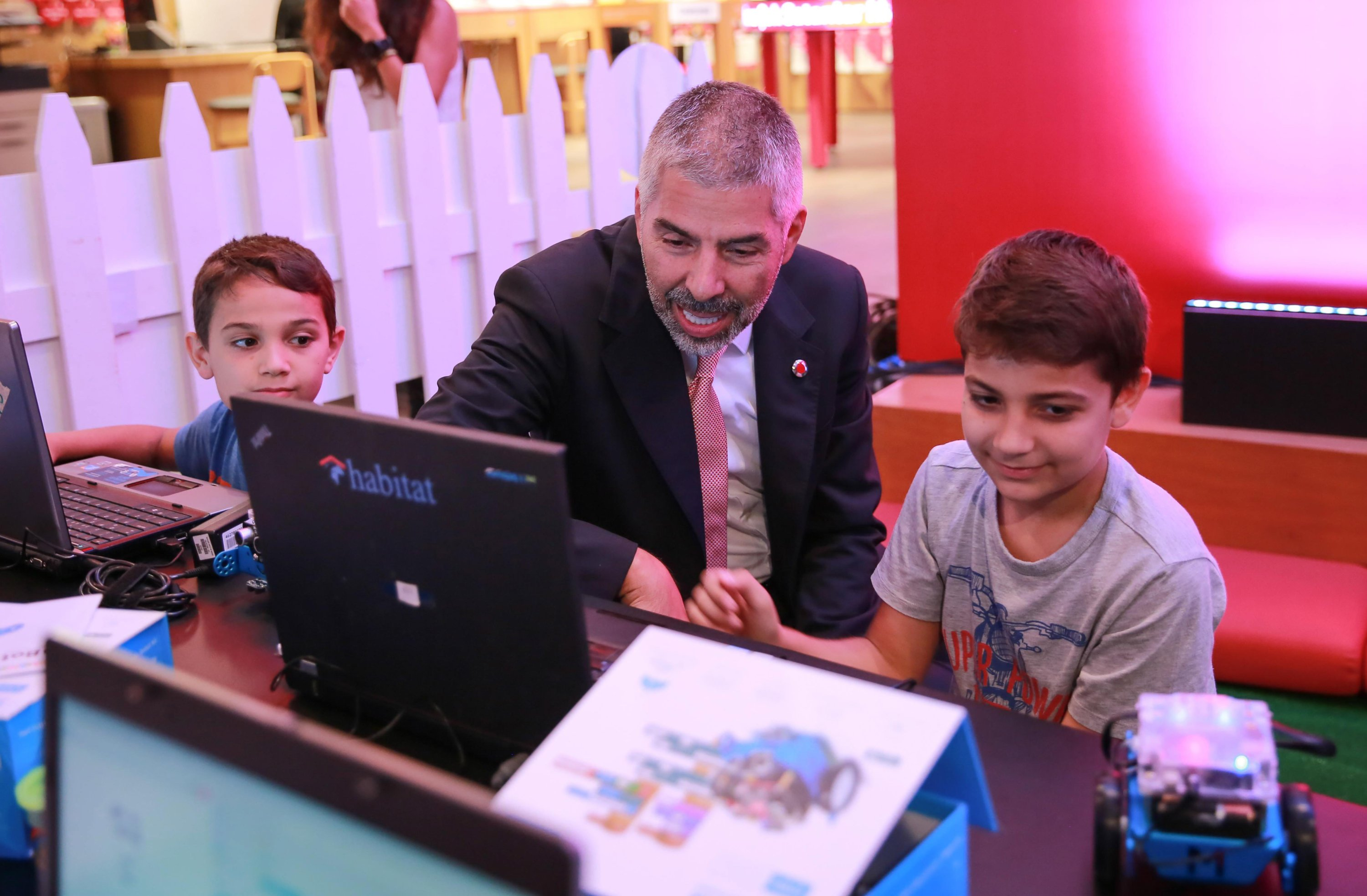 Nationwide coding campaign reaches out to 100,000 Turkish children thumbnail